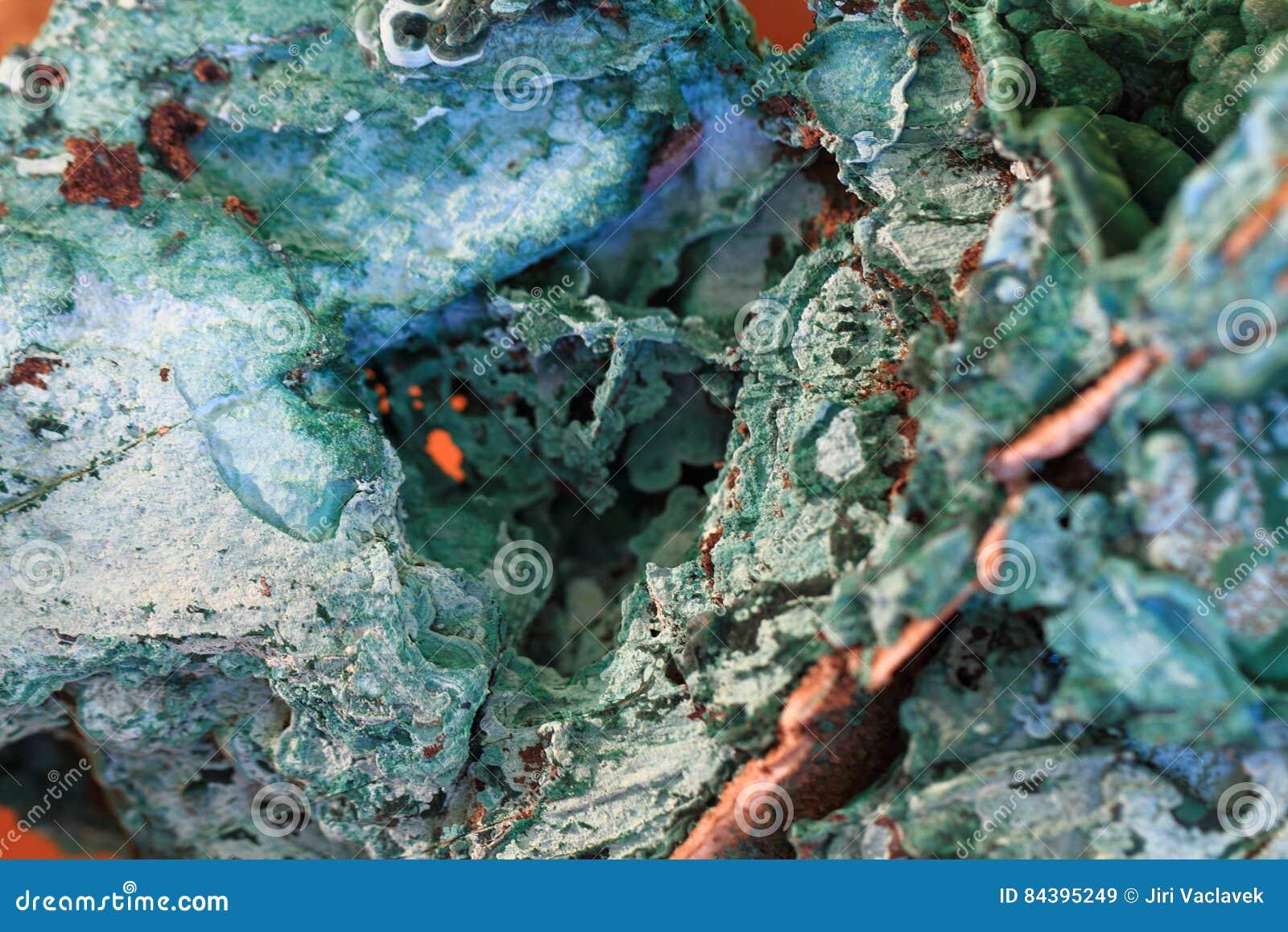 绿色绿沸铜矿物