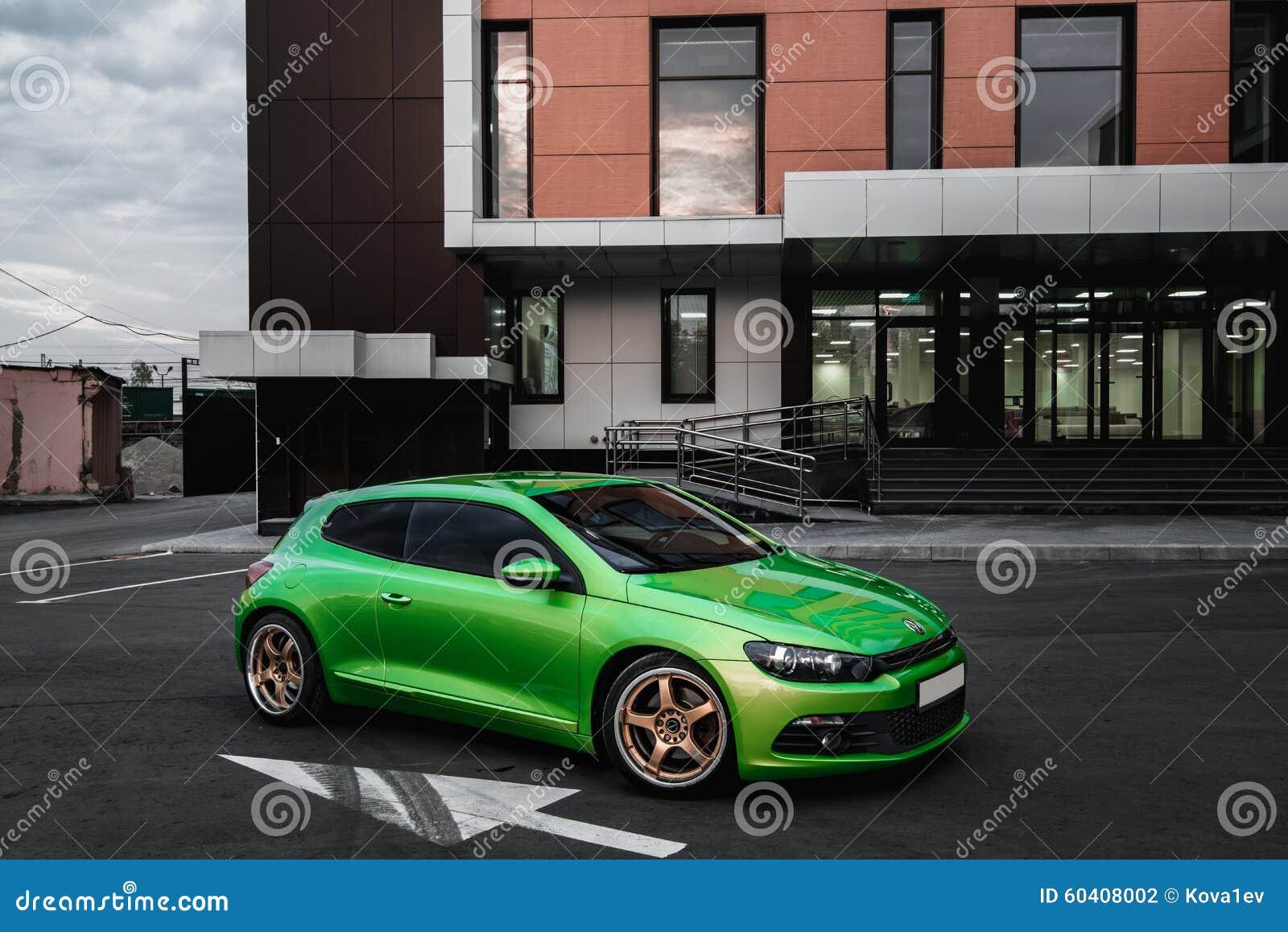 绿色VW Scirocco
