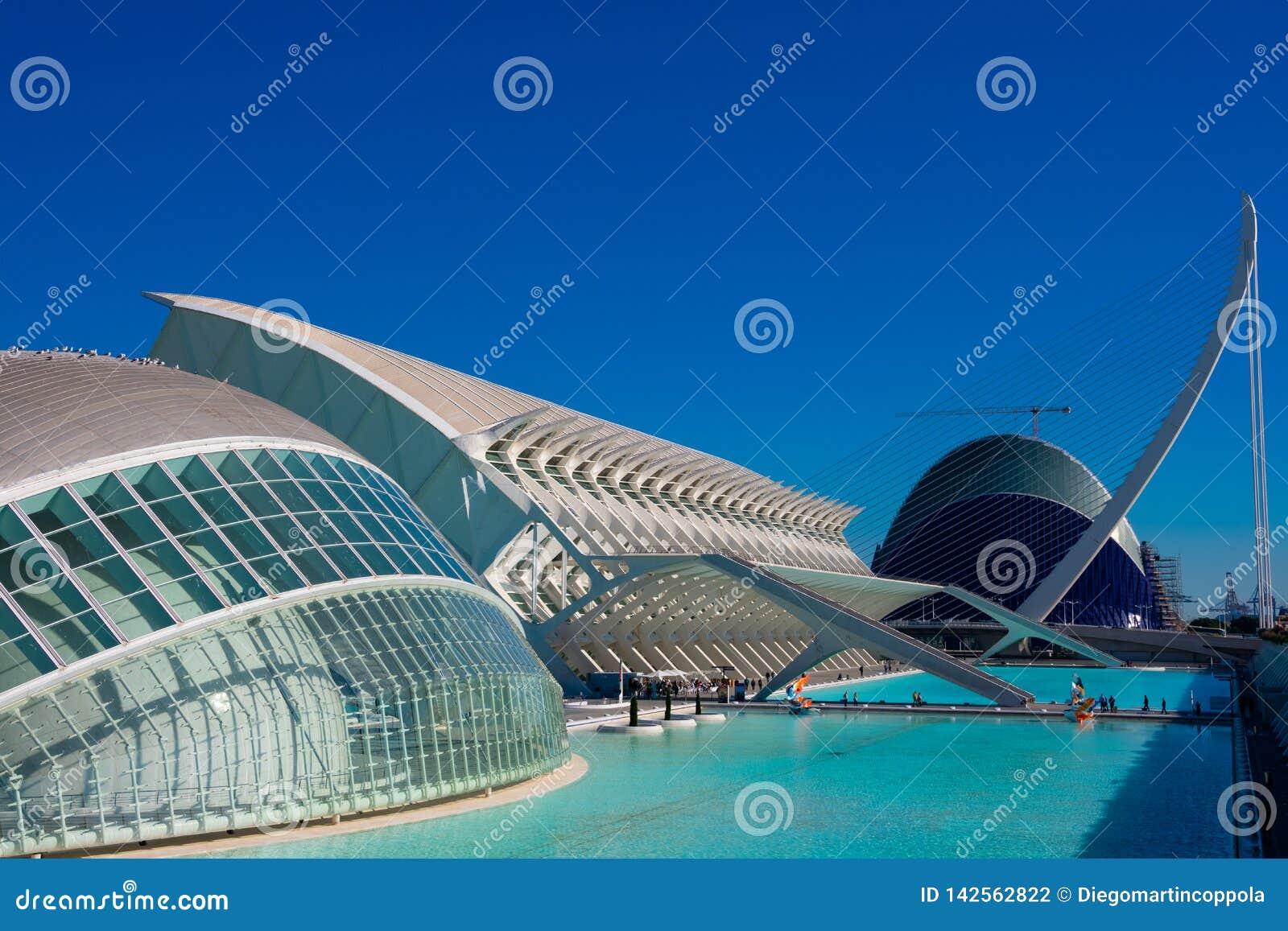 艺术装城市de hemisferic l les贝劳于罐中科学看见索非亚的女王 建筑师圣地牙哥・卡拉特拉瓦和菲利克斯坎德拉