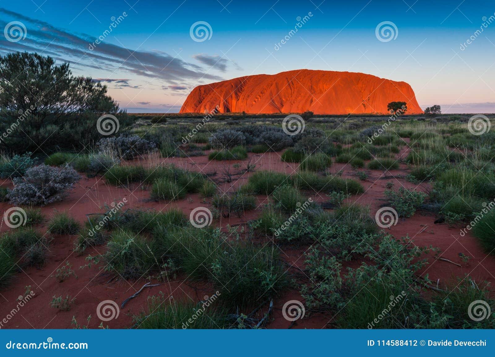 艾瑞斯岩石Uluru
