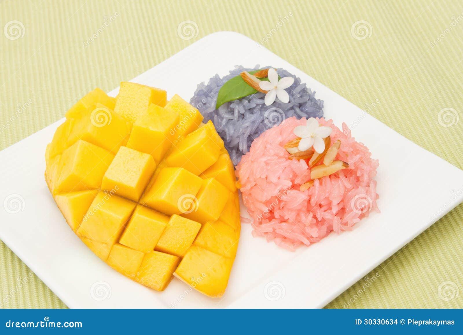 芒果和五颜六色的黏米饭
