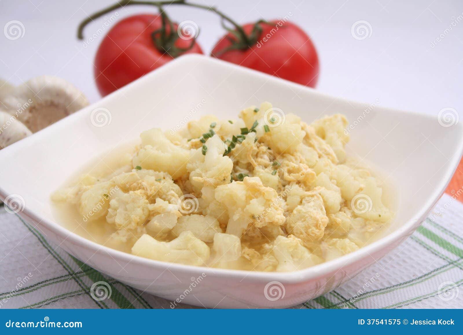 花椰菜炖煮的食物
