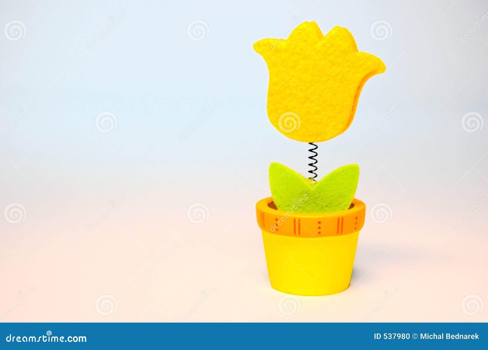 Download 花玩具 库存照片. 图片 包括有 伪造品, 愉快, 笑话, 作用, 橙色, 详细资料, 玩具, 春天, 黄色 - 537980
