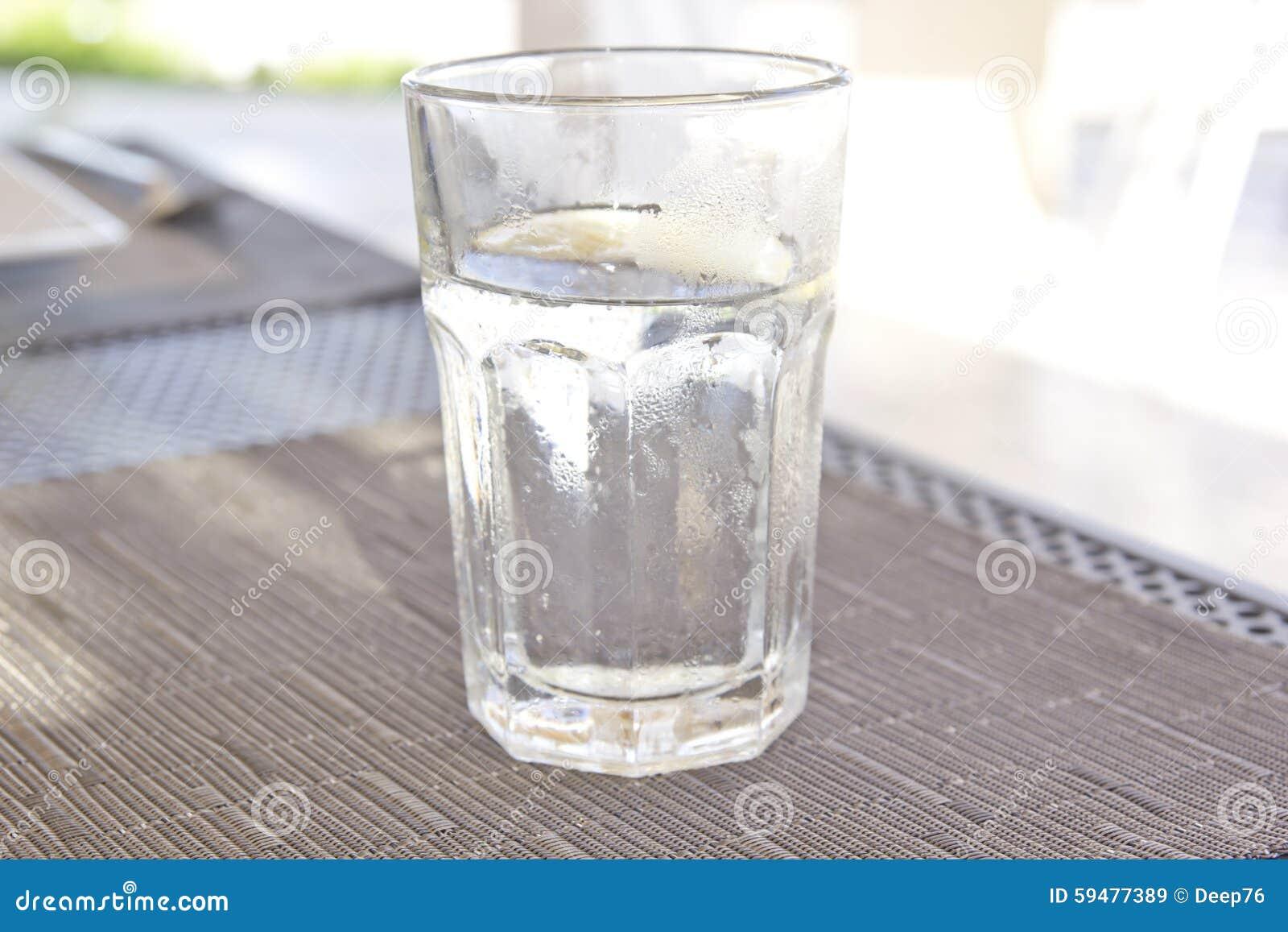 苏打水冲洗_新鲜和可口苏打水.