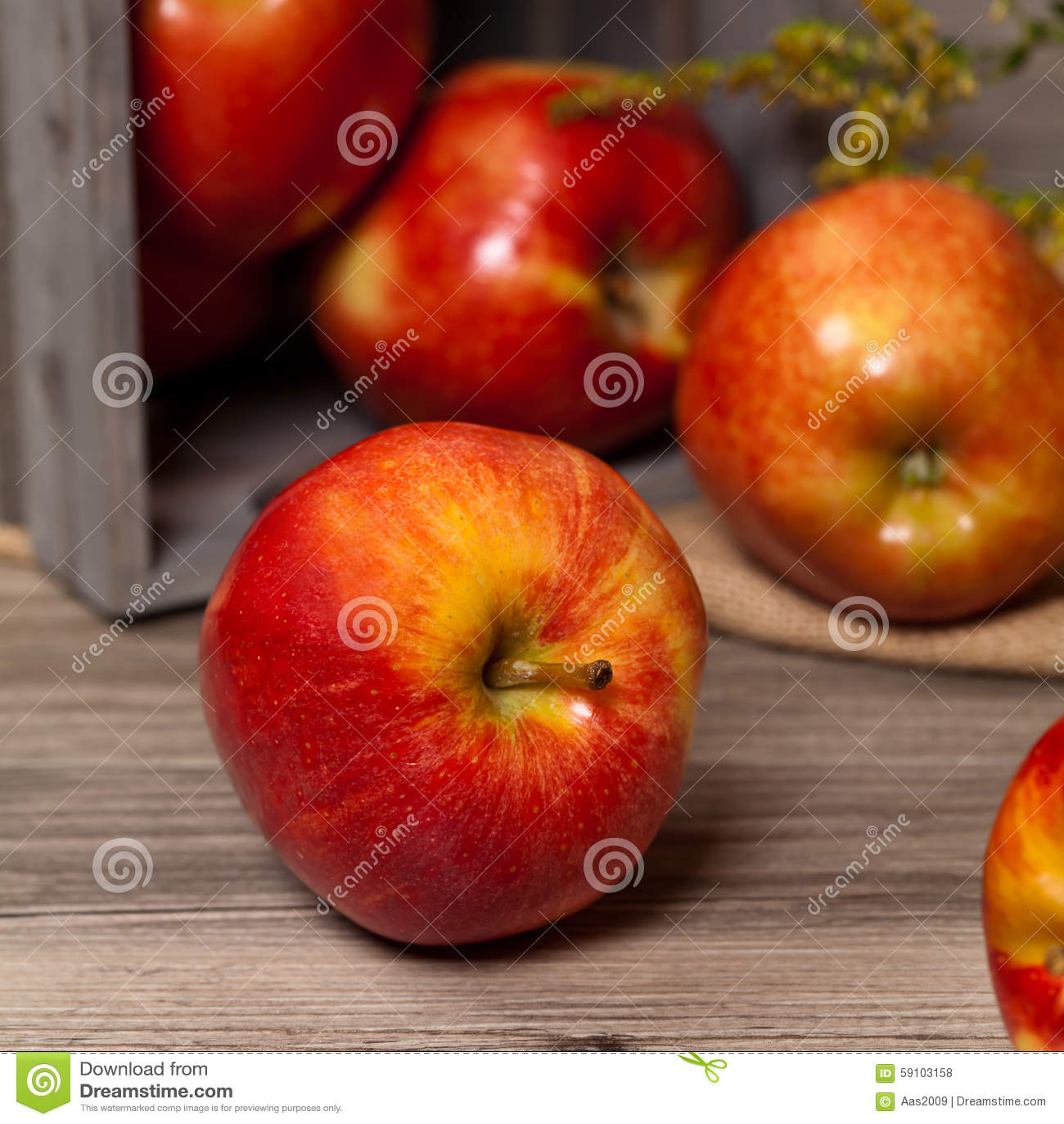 苹果有机红色