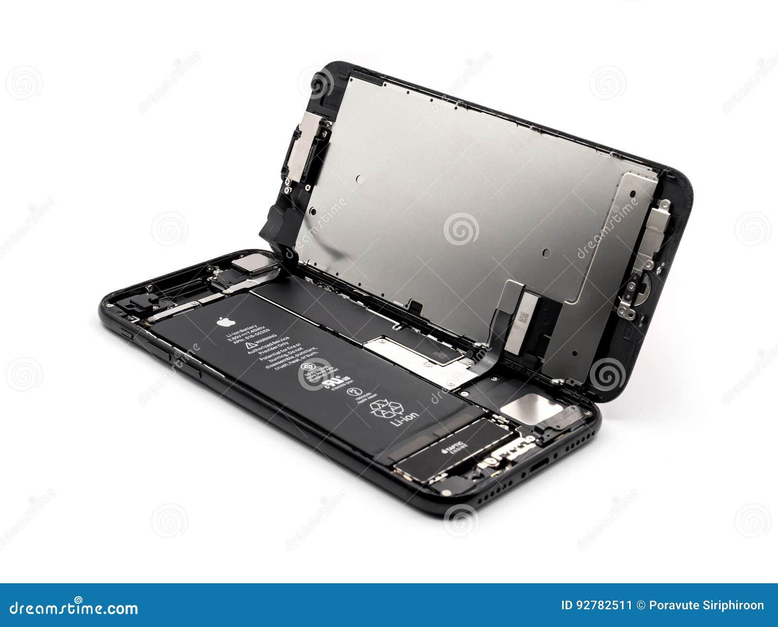 苹果计算机iPhone 7个拆除显示的部件里面