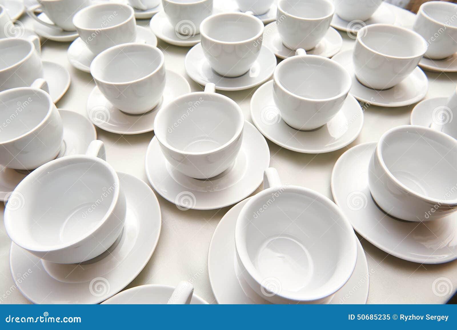 Download 茶的空的杯子 库存图片. 图片 包括有 早晨, 特写镜头, 宏指令, 新鲜, 自然, 服务, 餐馆, 制动手 - 50685235