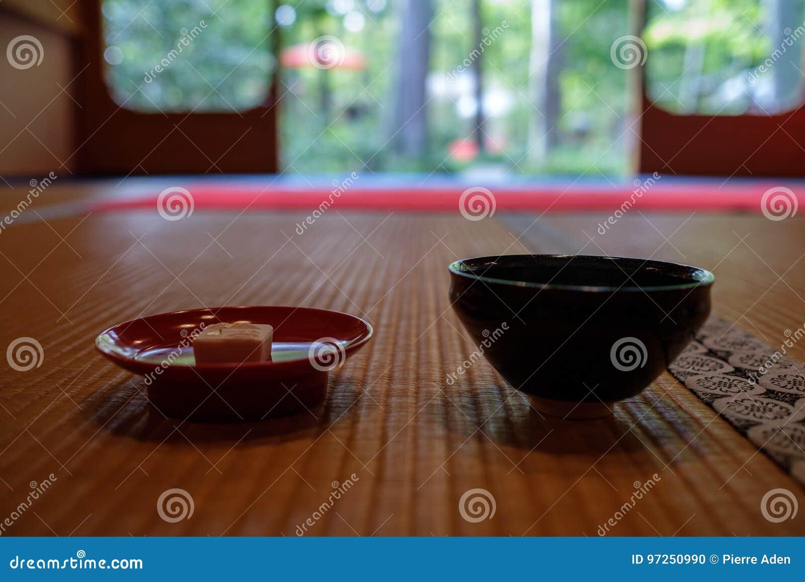 茶道的杯在寺庙