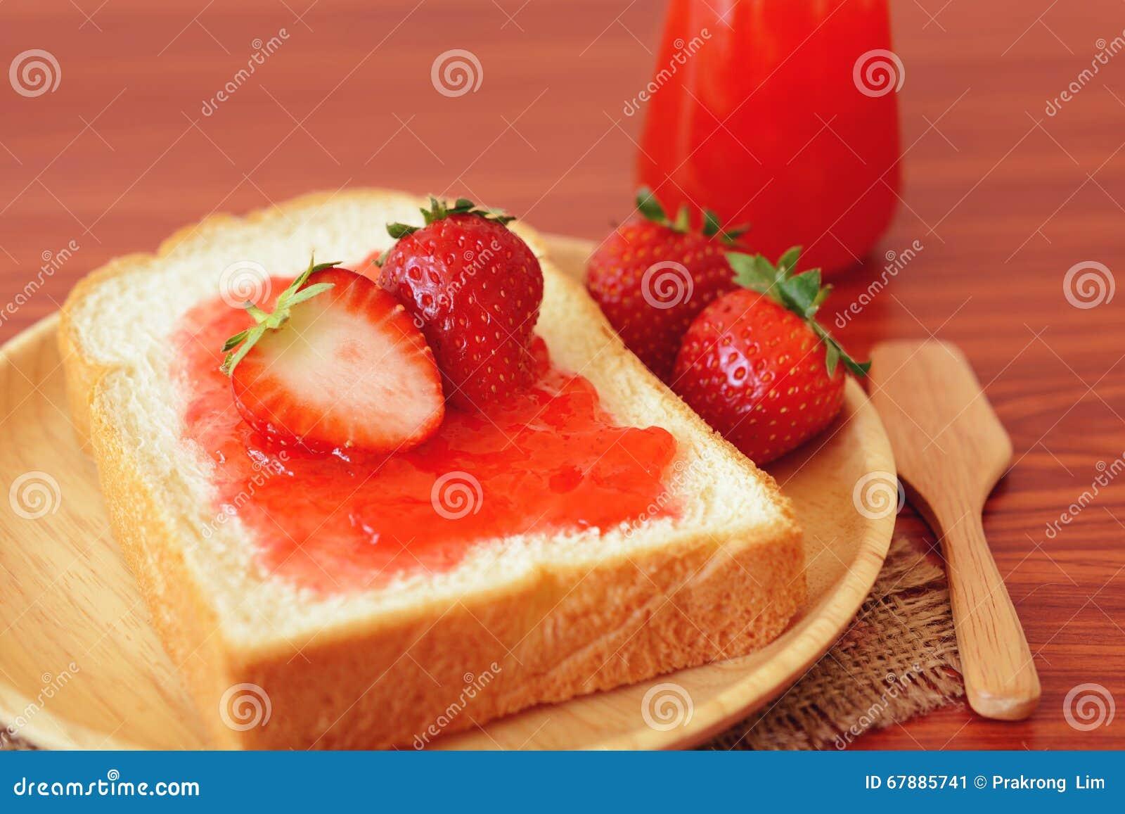 草莓酱用面包
