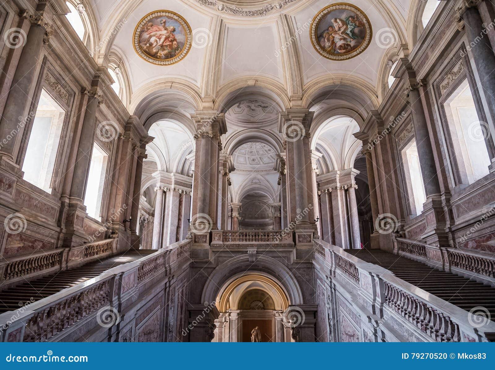 荣誉豪华楼梯在王宫,卡塞尔塔,意大利