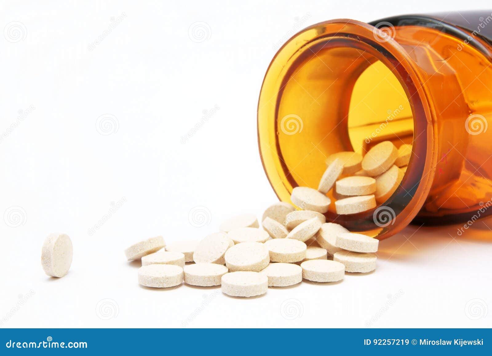 药房、玻璃瓶和药片,医学
