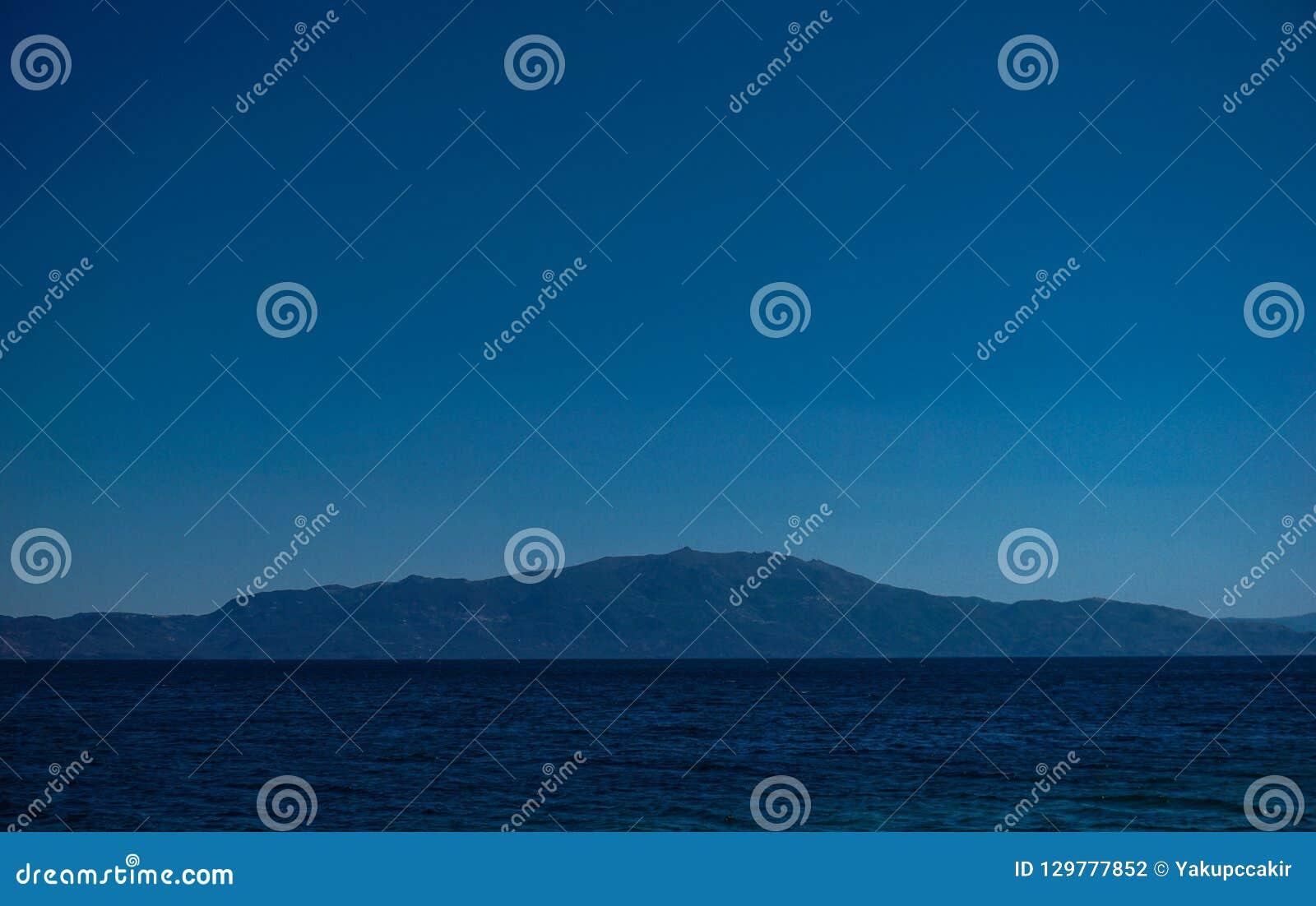 莱斯博斯岛海岛强大美丽的景色从Assos的