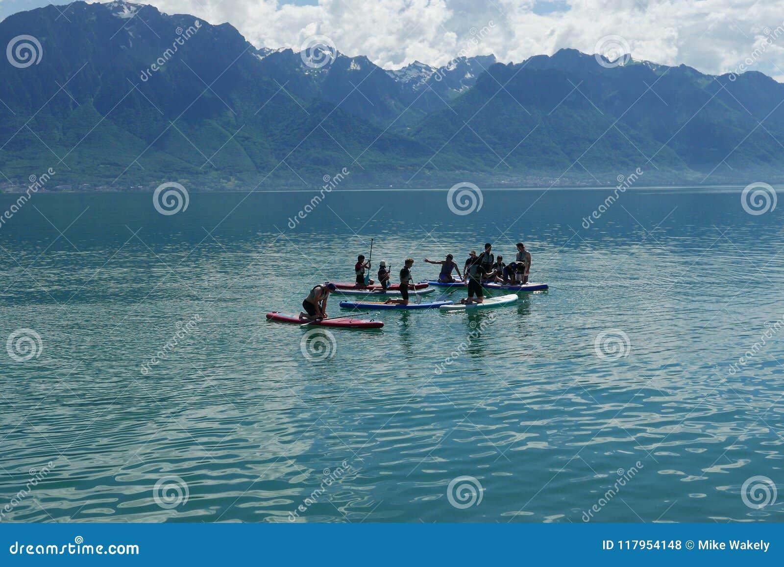 莱芒湖的桨房客