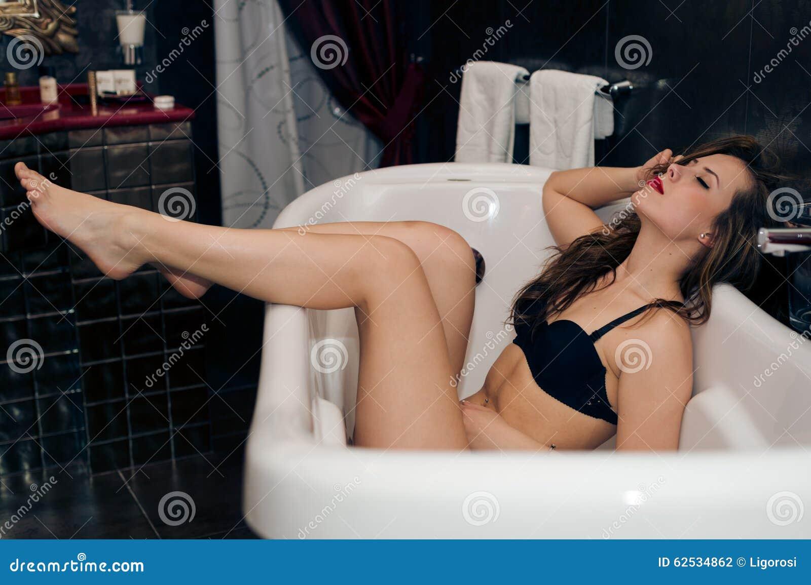 获得性感的美丽的少妇的图片乐趣