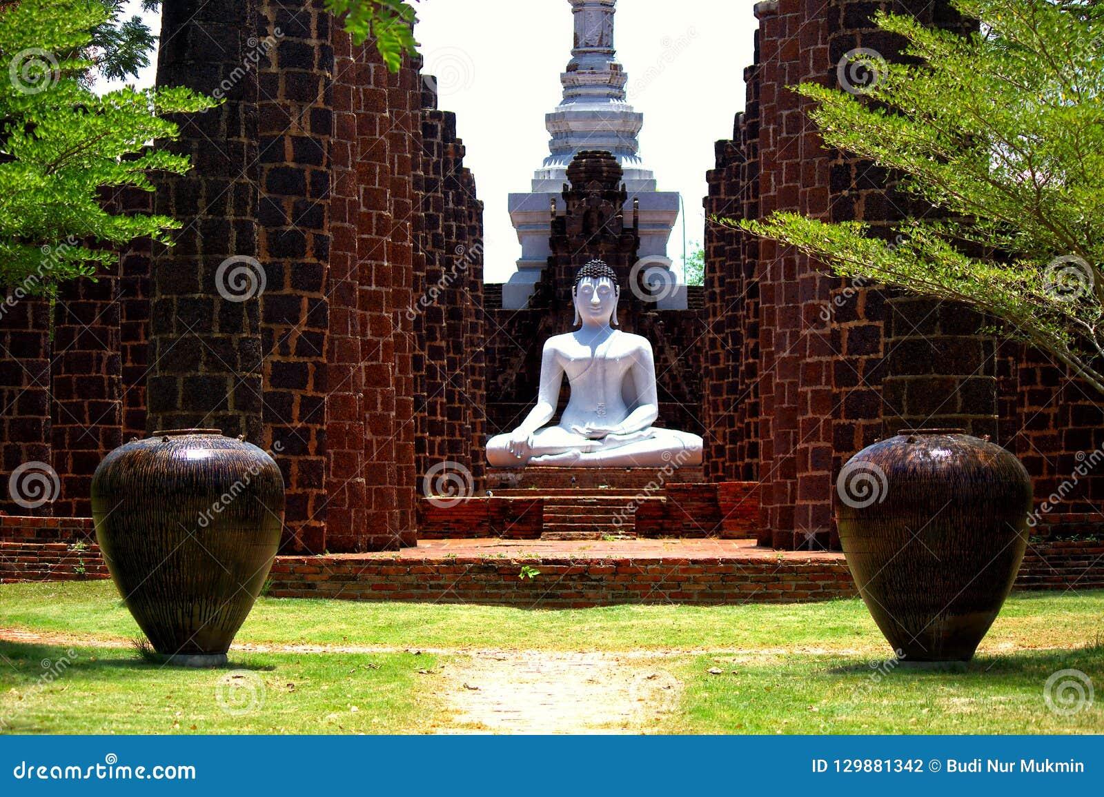 菩萨Samadhi雕象