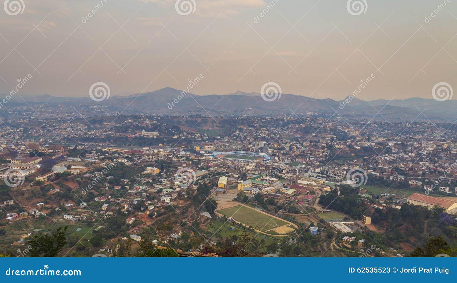 菲亚纳兰楚阿马达加斯加都市风景