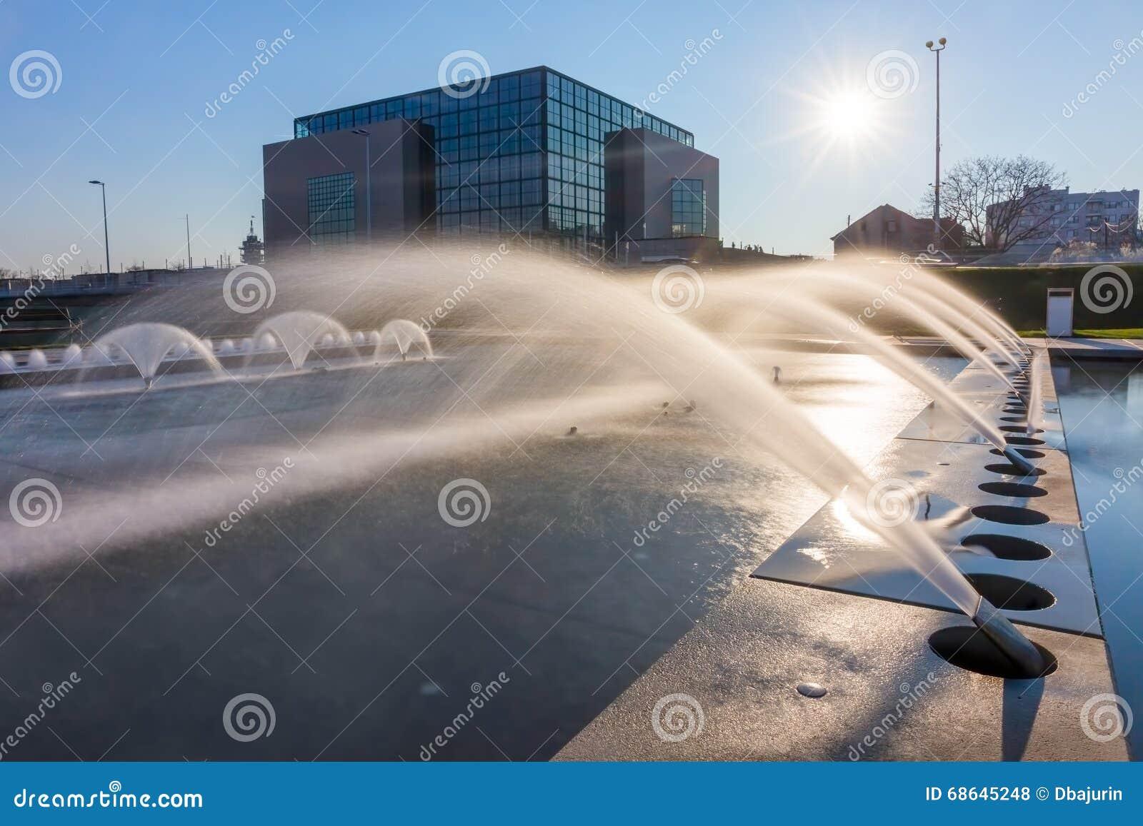 萨格勒布新的喷泉-长的曝光