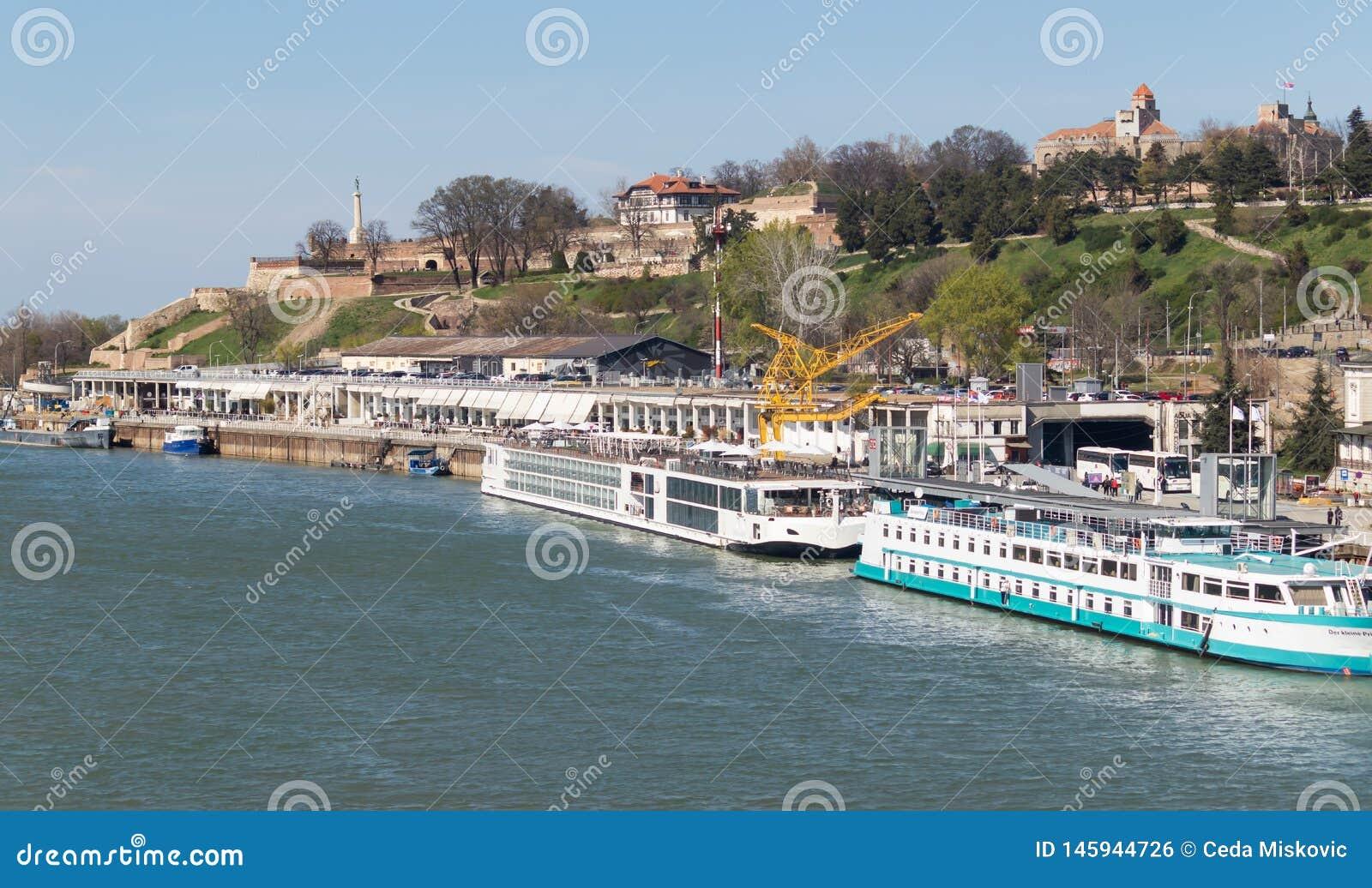 萨瓦河船坞的美丽的景色