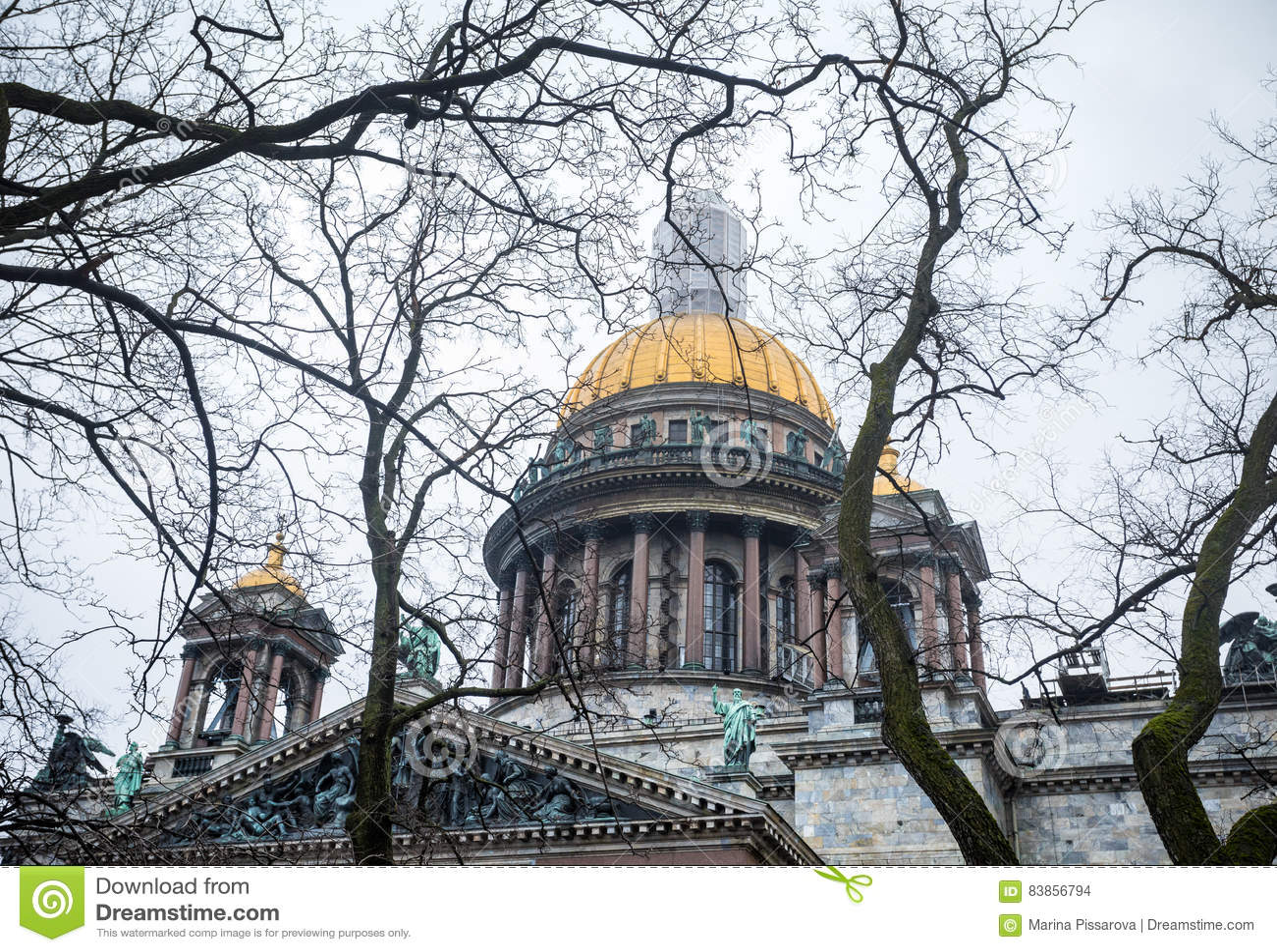 著名以撒` s大教堂在圣彼德堡