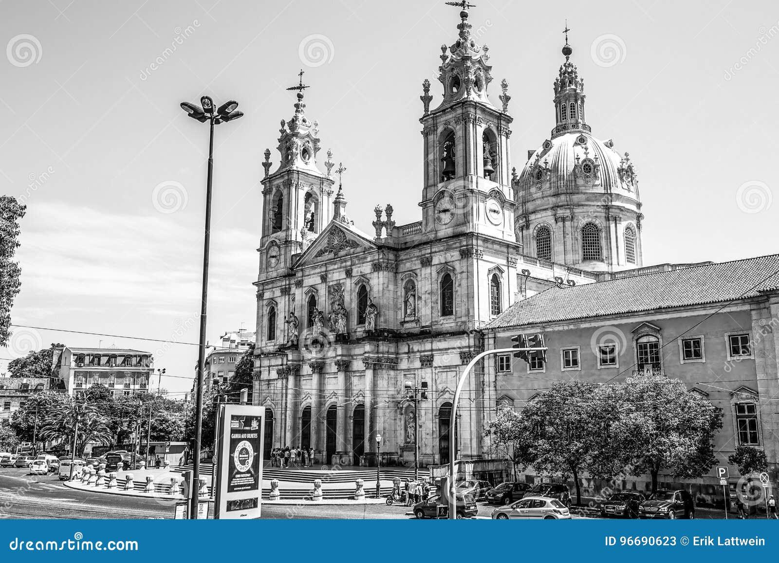 著名Estrela大教堂在里斯本-里斯本/葡萄牙- 2017年6月14日