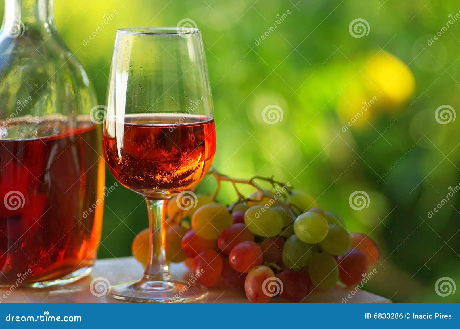 葡萄牙玫瑰酒红色