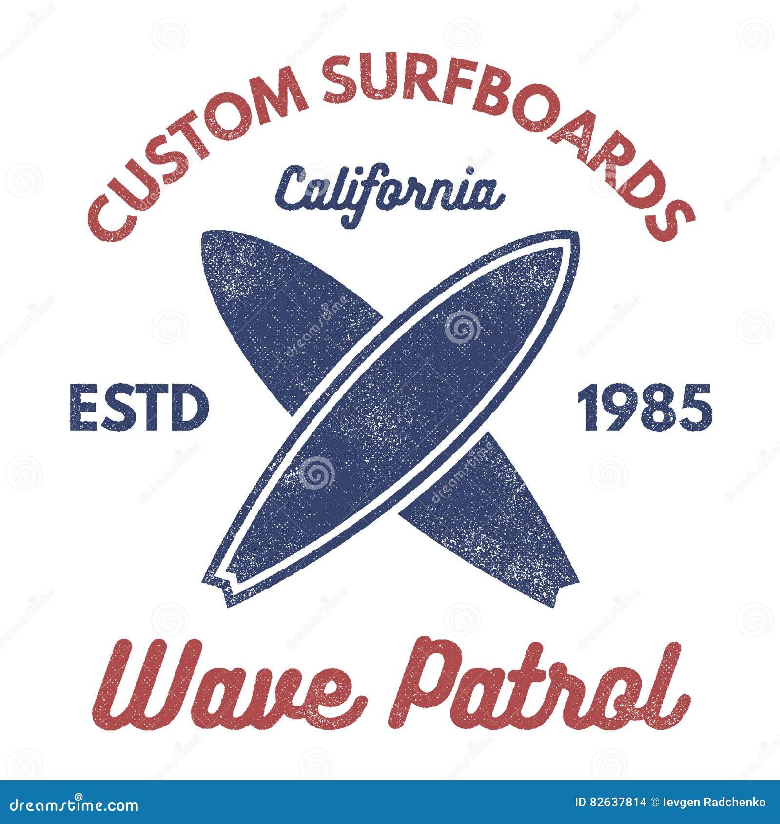 葡萄酒冲浪的发球区域设计 减速火箭的T恤杉图表和象征网或印刷品的 冲浪者,海滩样式商标 海浪徽章