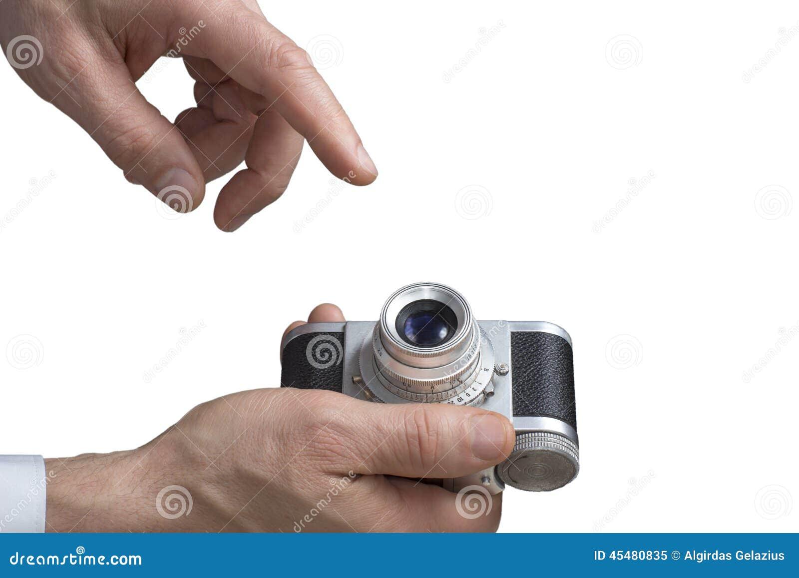 葡萄酒照相机在人的手上
