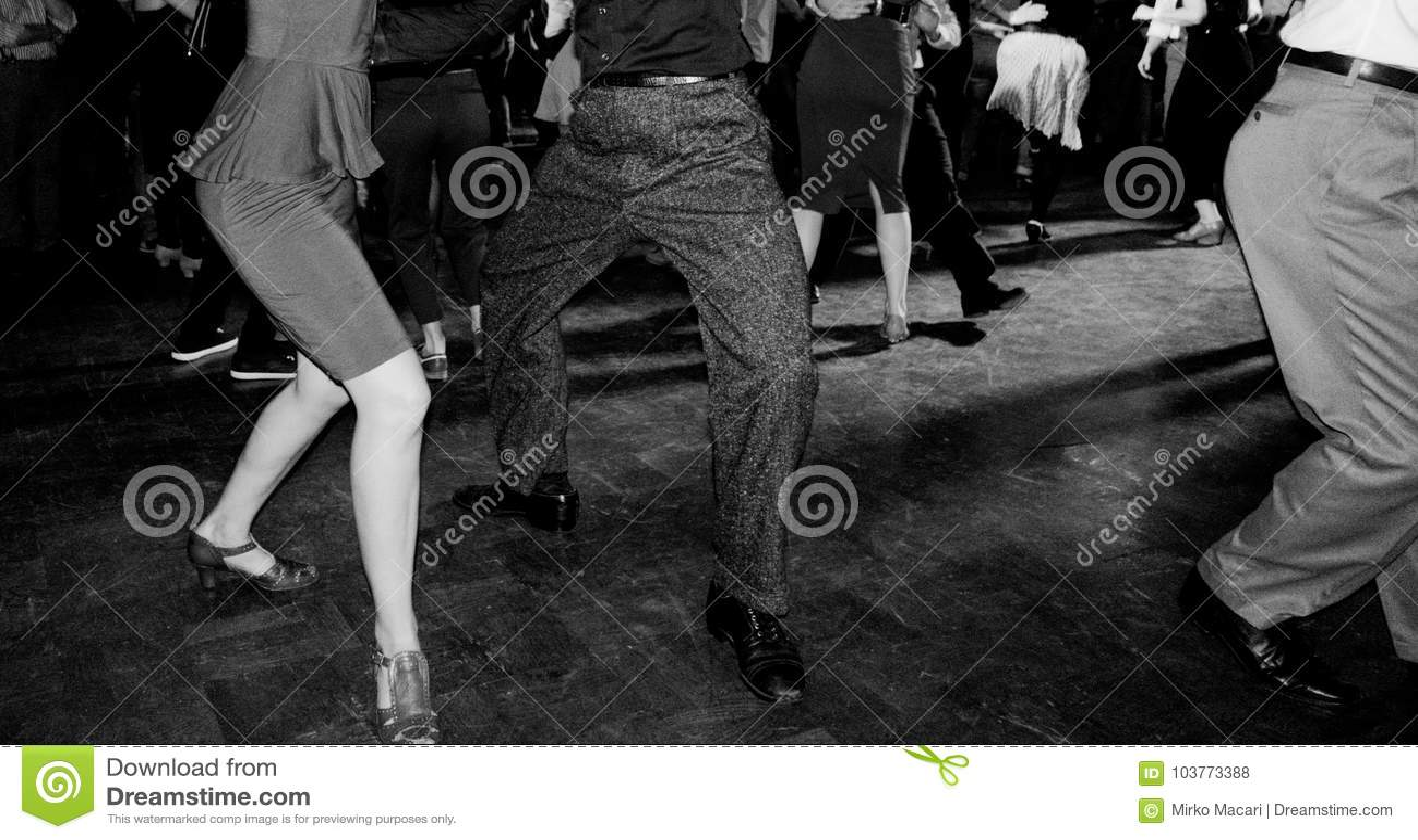 葡萄酒舞厅样式照片有人跳舞的