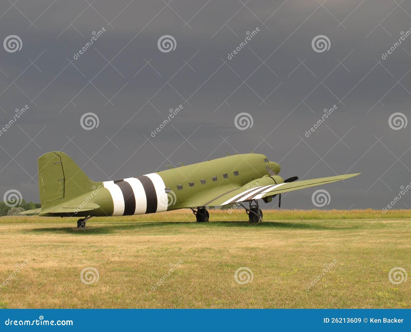 葡萄酒C-47军人运输航空器