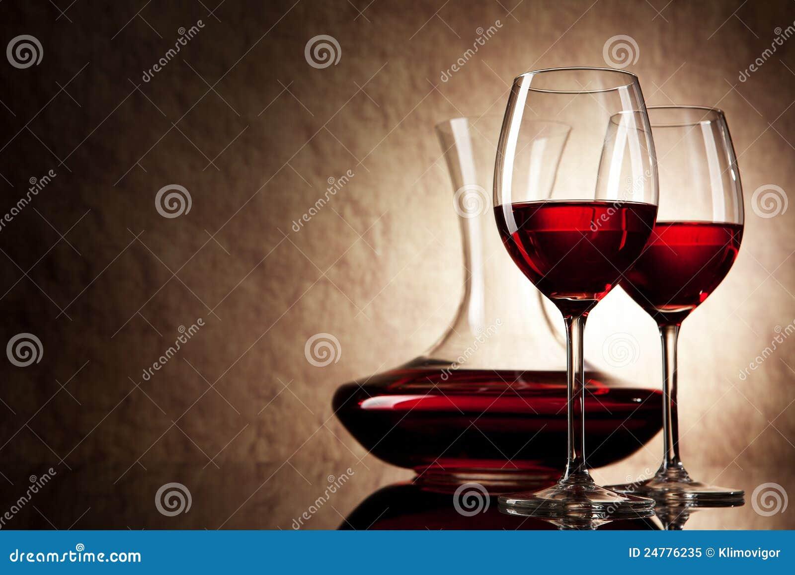 蒸馏瓶玻璃红葡萄酒