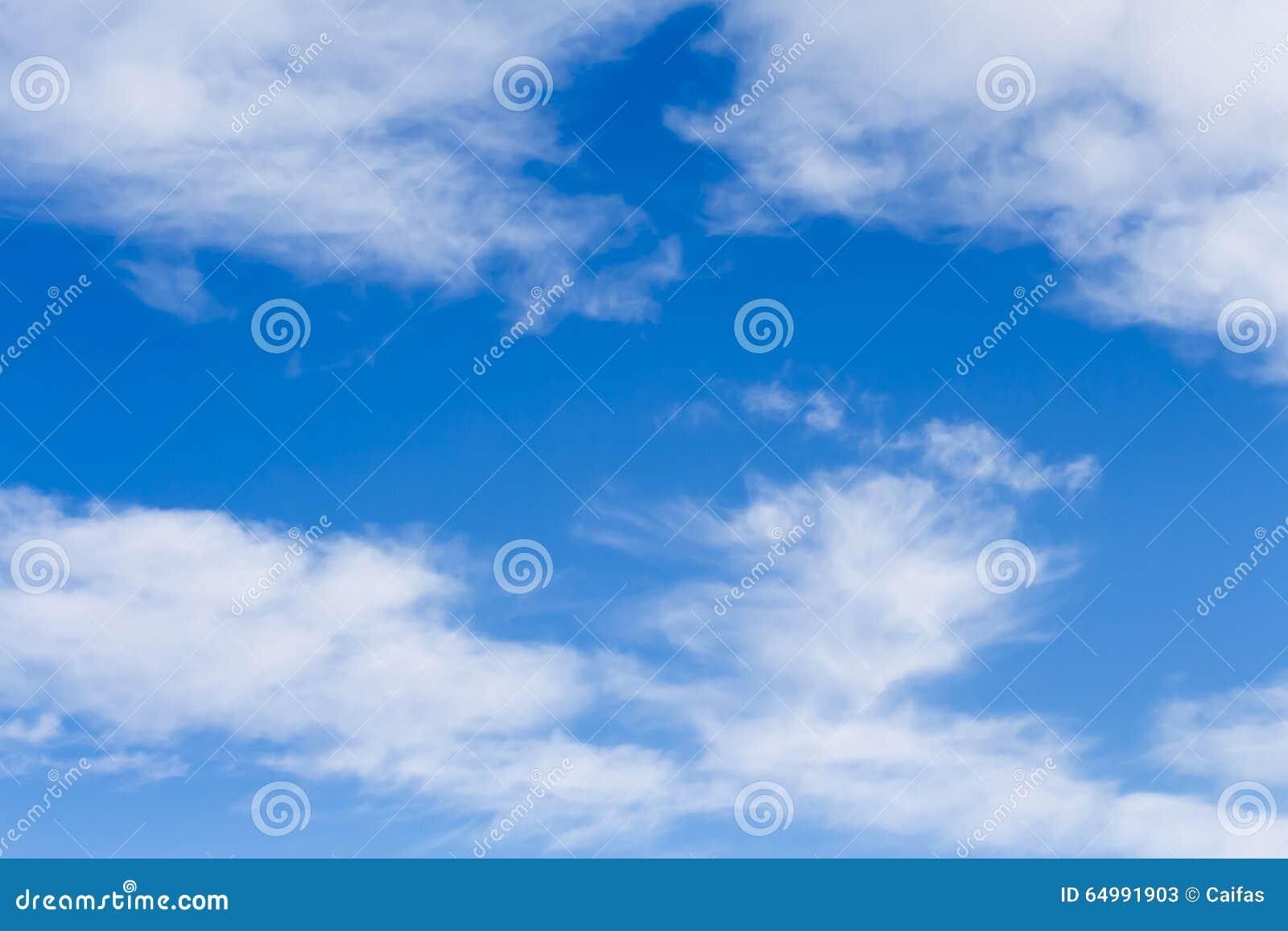 蓝天和高卷云