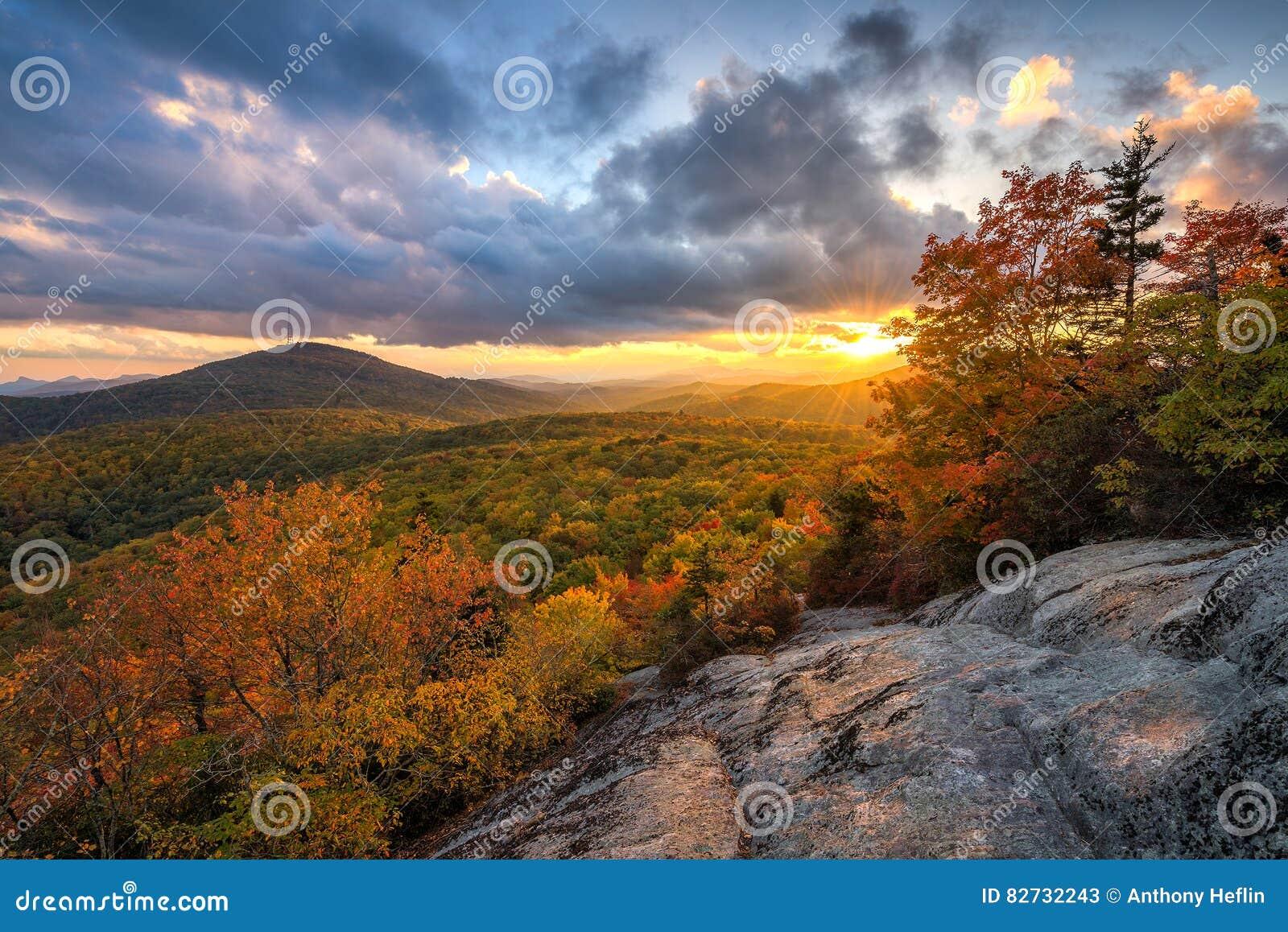 蓝岭山脉,秋天风景日落