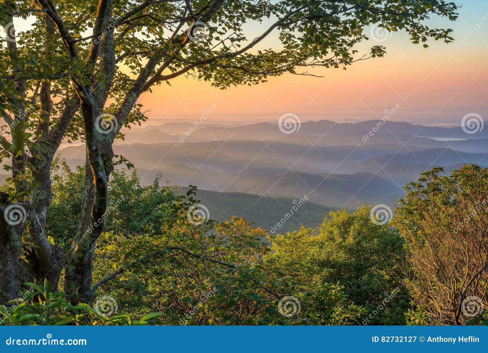 蓝岭山脉,风景日出