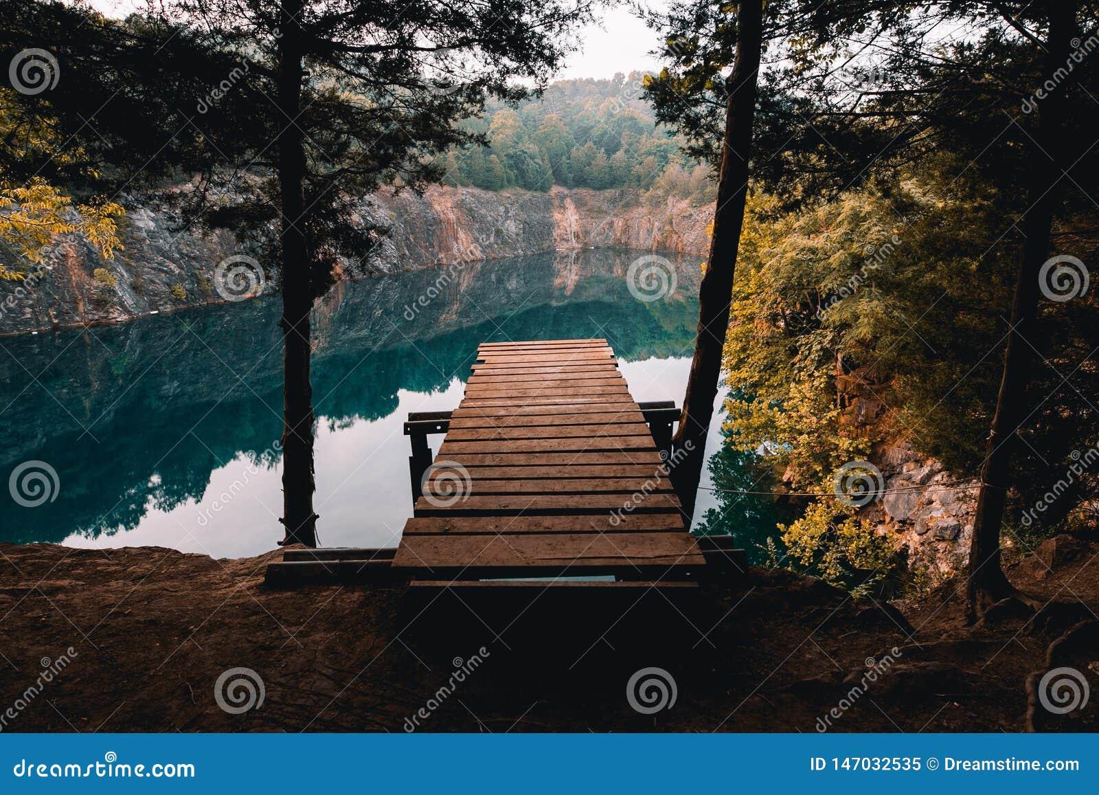 蓝色举行隐匿处风景