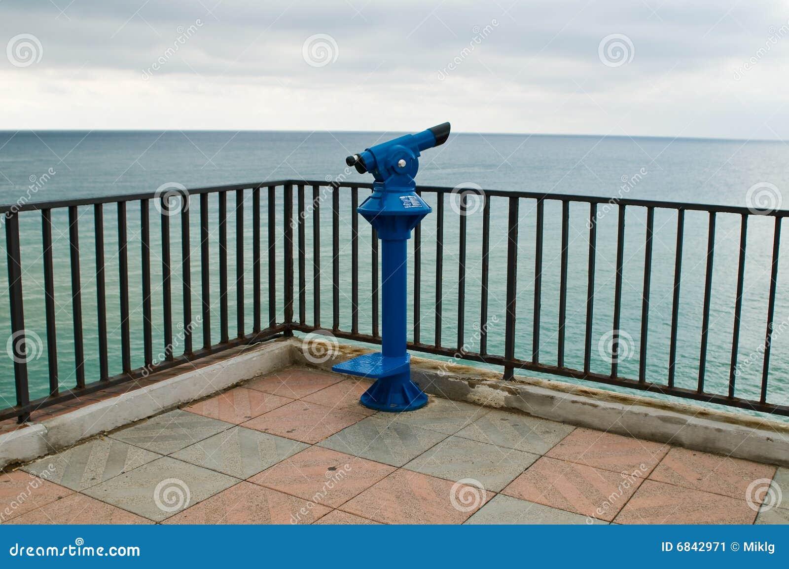 蓝色公共望远镜