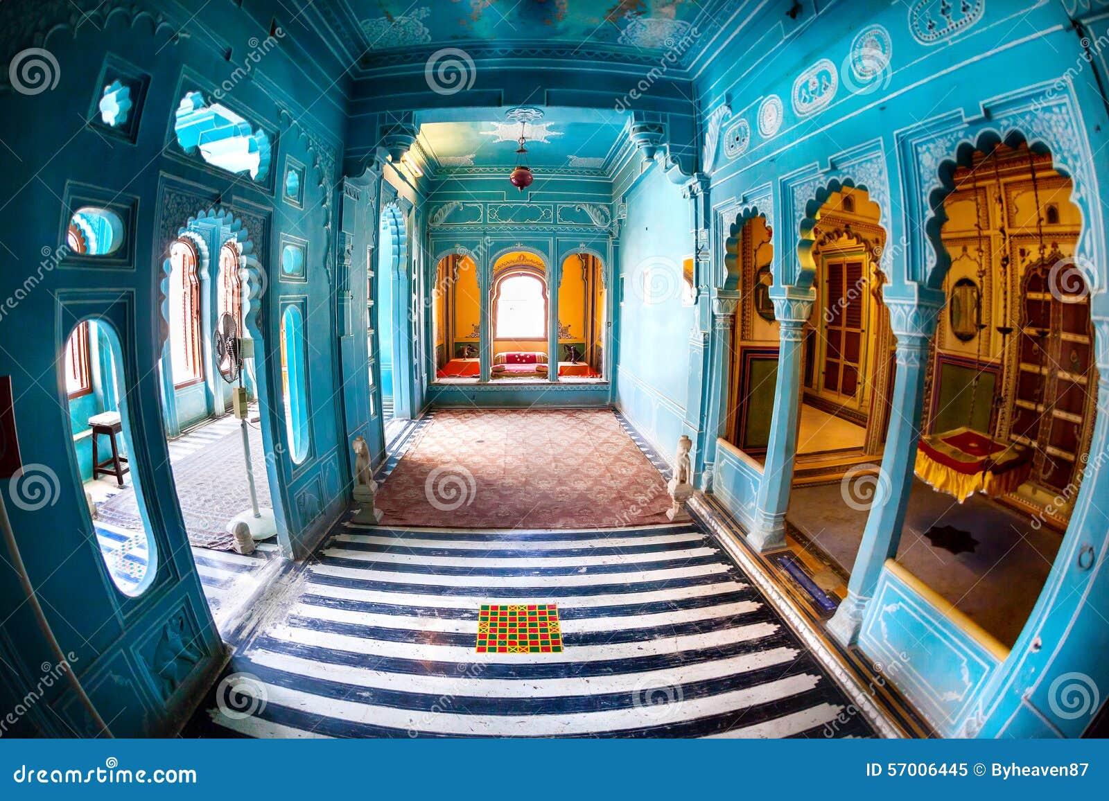 蓝色房间在城市宫殿