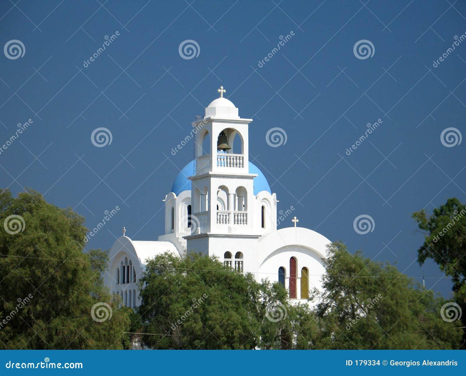 蓝色教会白色