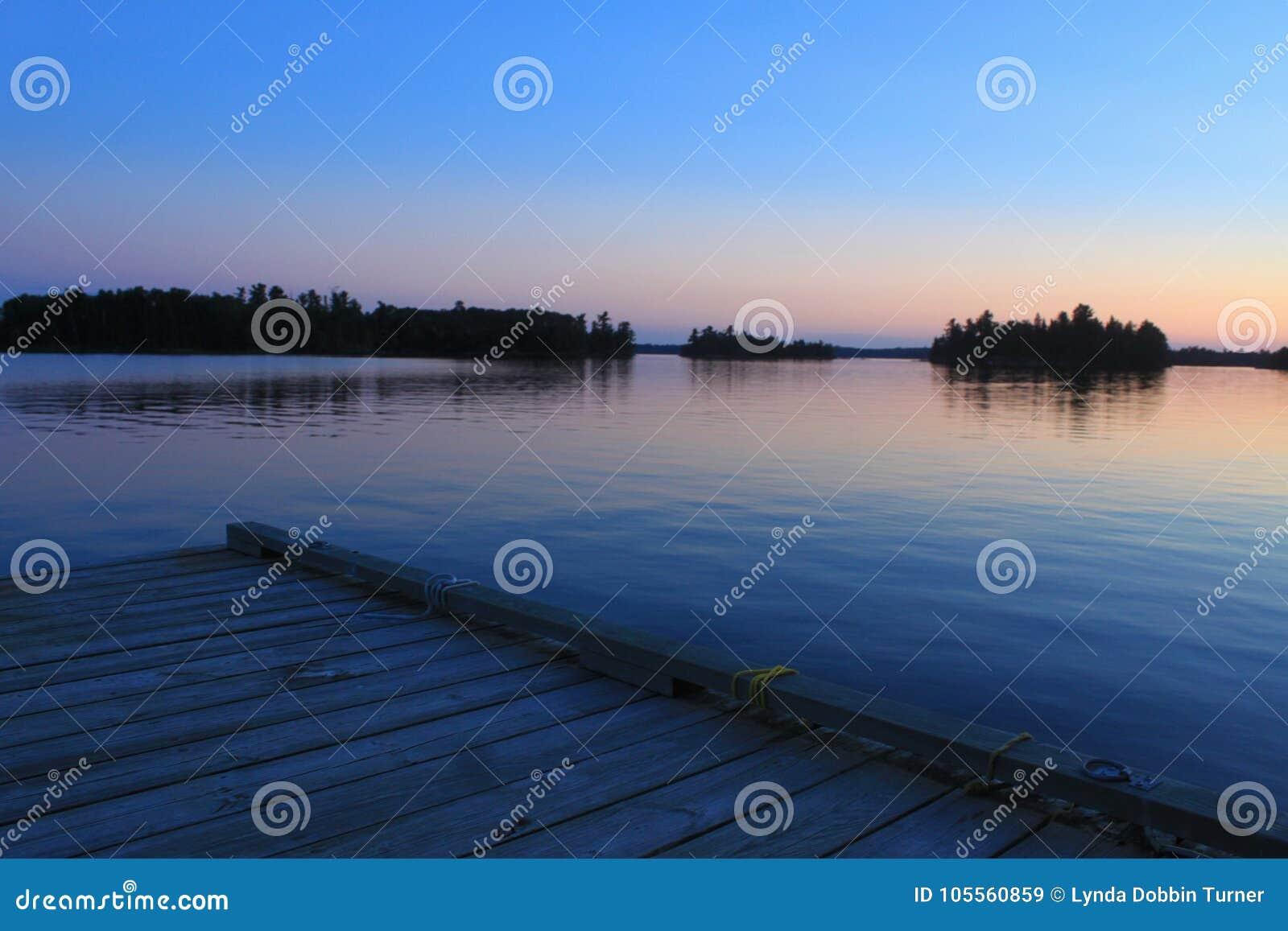 蓝色桃子日落,伍兹湖, Kenora,安大略