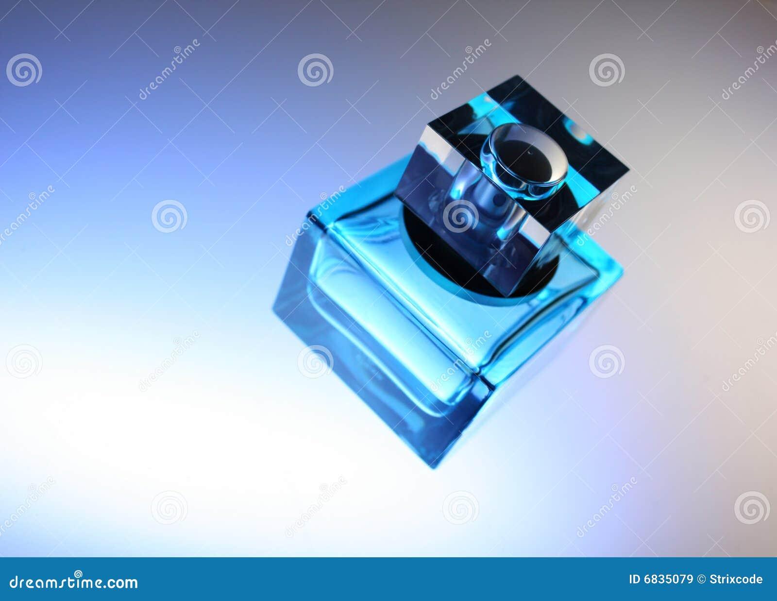 蓝色瓶香水