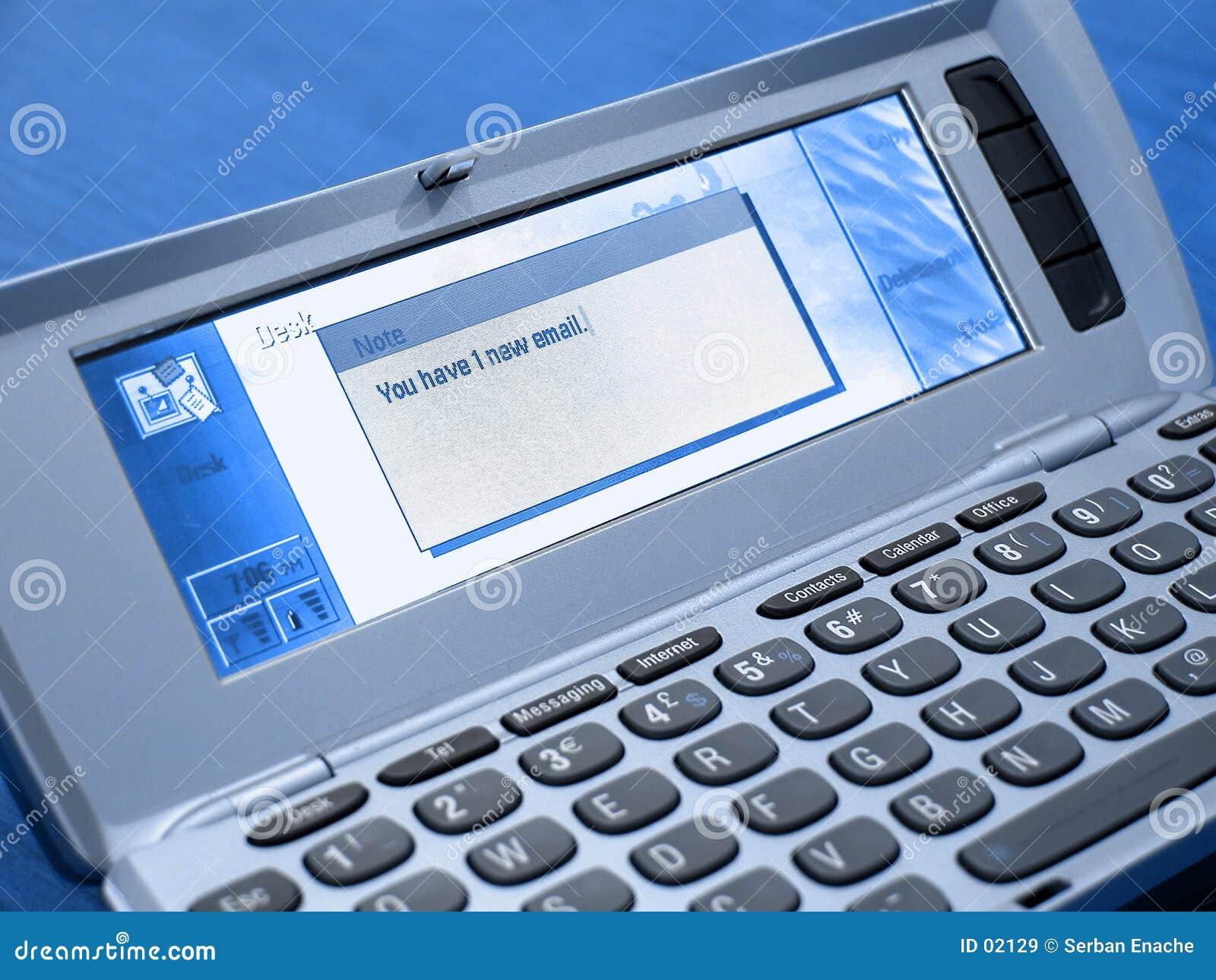 蓝色通信装置有新的邮件您