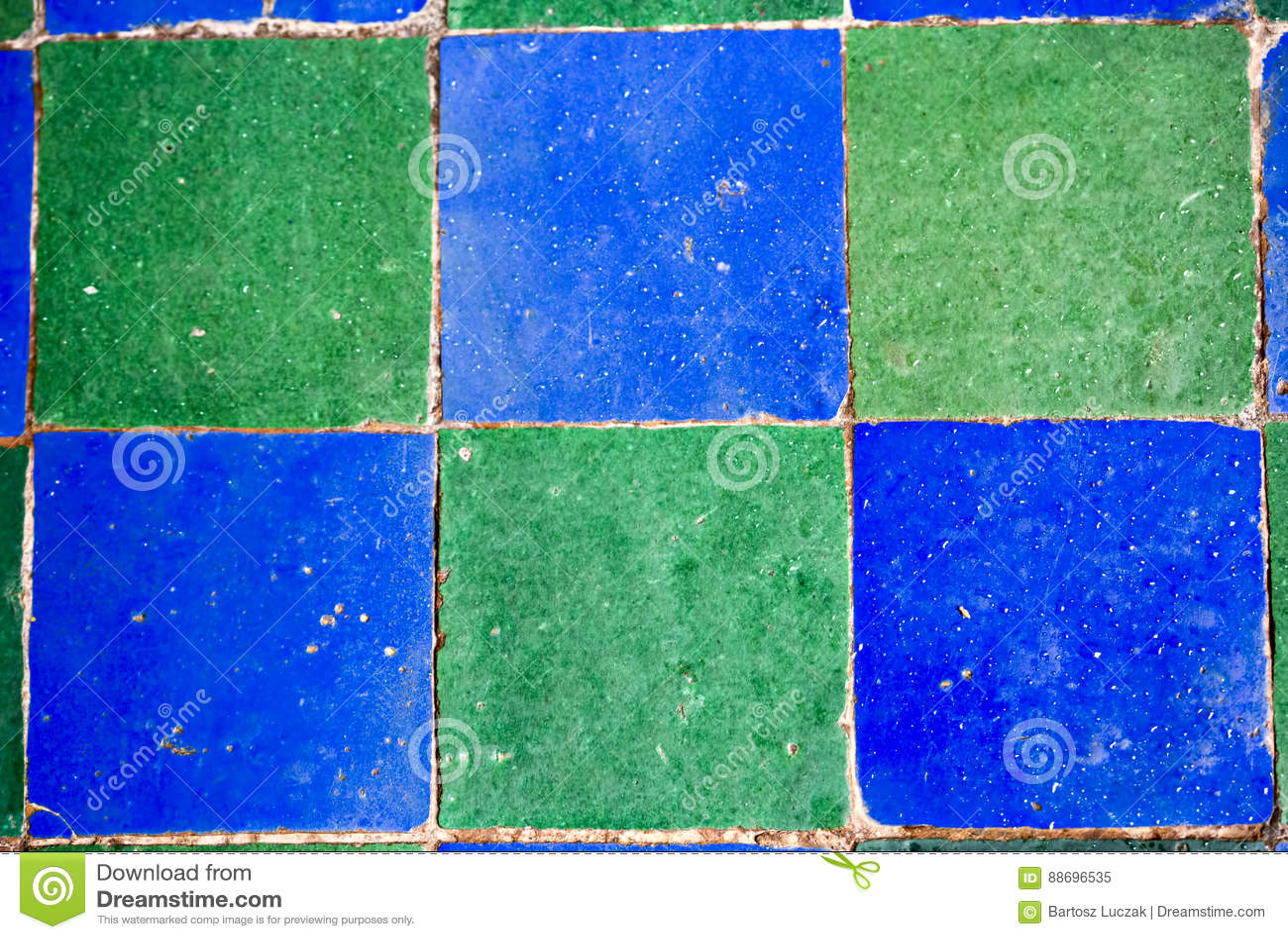 蓝绿色锦砖