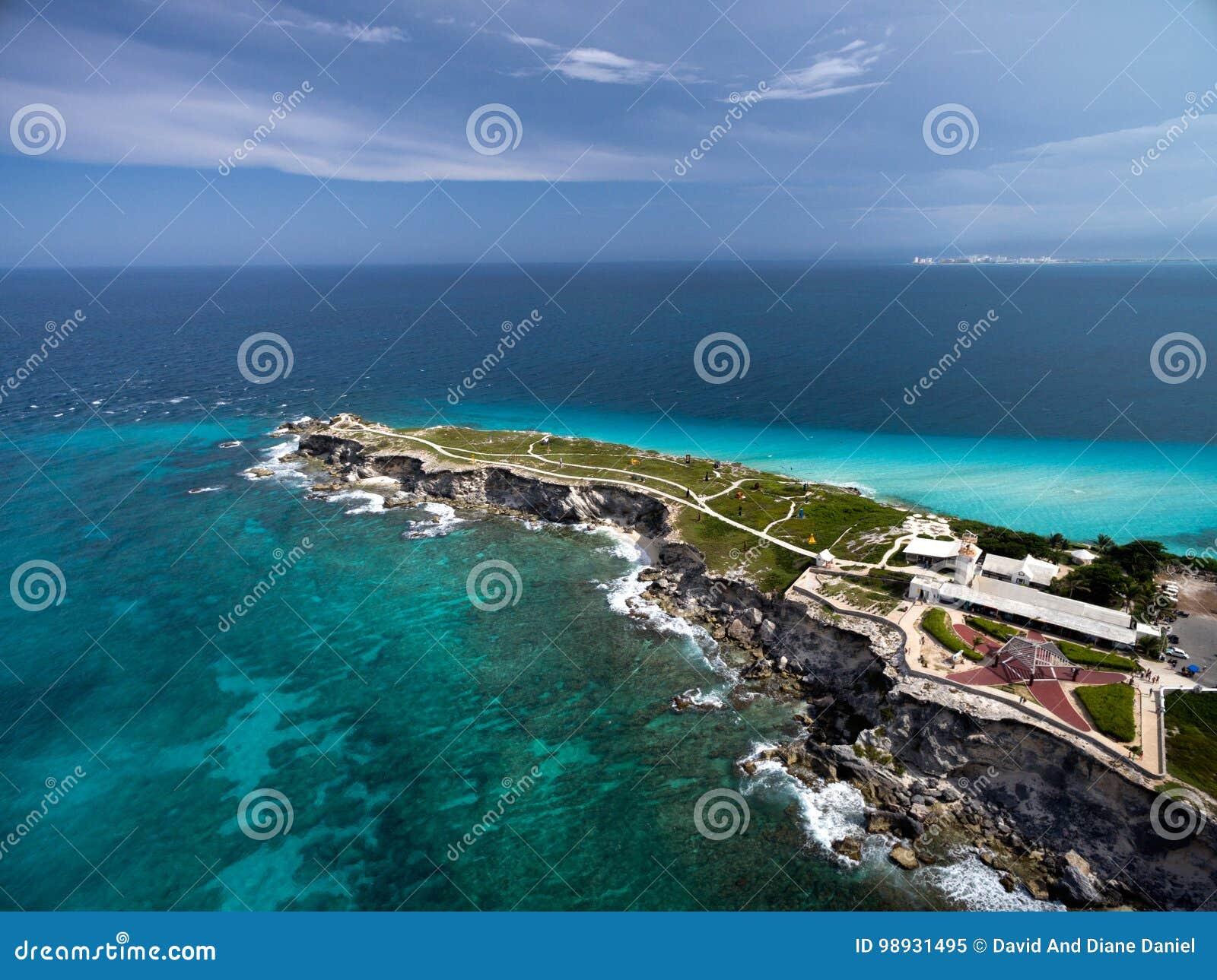蓬塔苏尔- Isla Mujeres -鸟瞰图