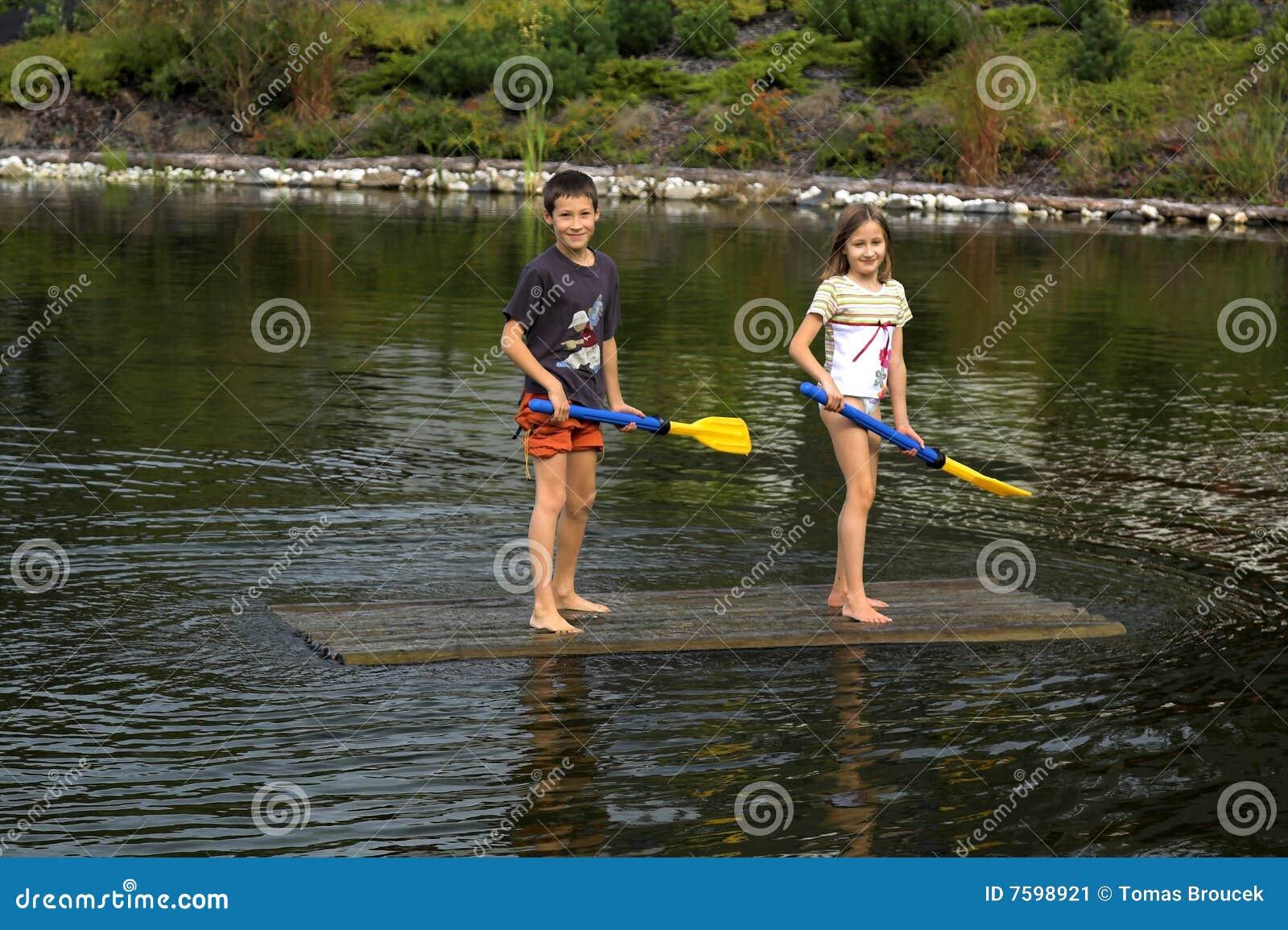 藏品开玩笑桨木筏