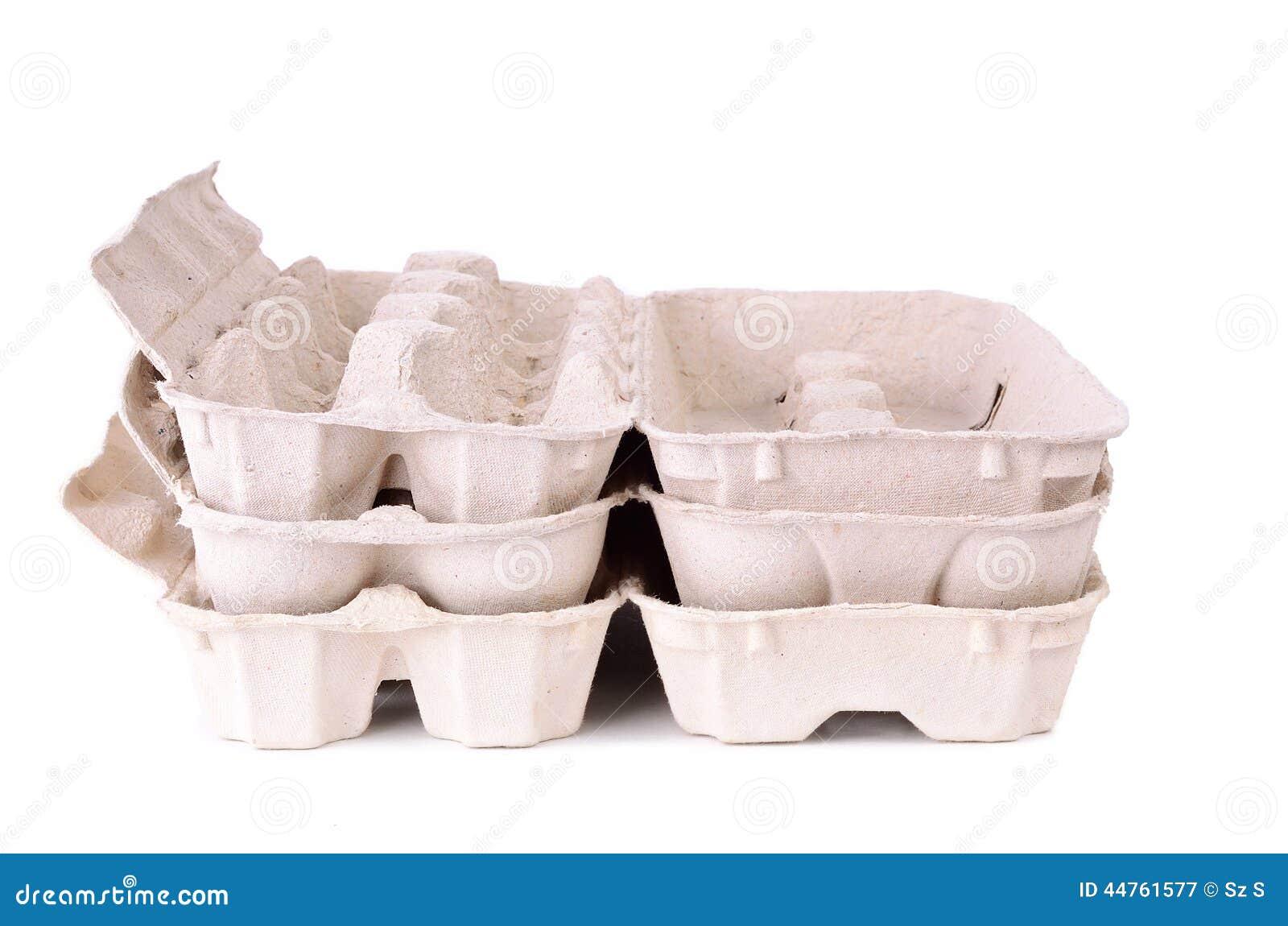 蛋在白色的纸盒包裹