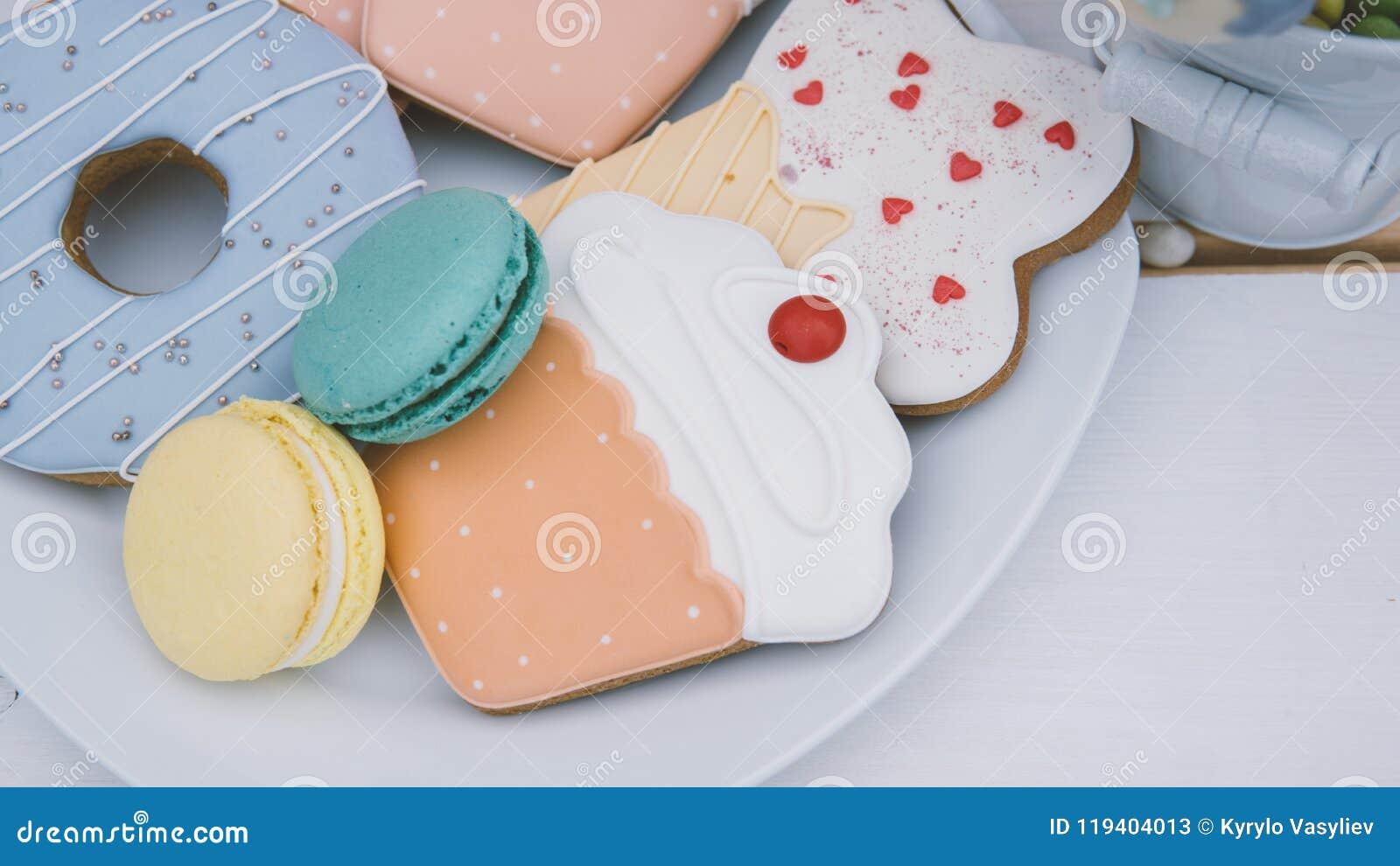 蛋白杏仁饼干,蛋白甜饼, nat的姜饼儿童` s党特写镜头 n