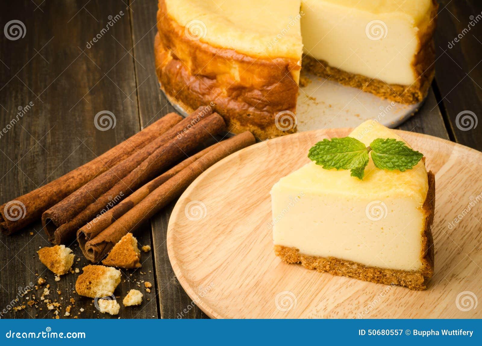 Download 蛋糕干酪樱桃可口点心果酱牌照白色 库存图片. 图片 包括有 点心, 干酪, 可口, 鲜美, 自创, 膳食 - 50680557