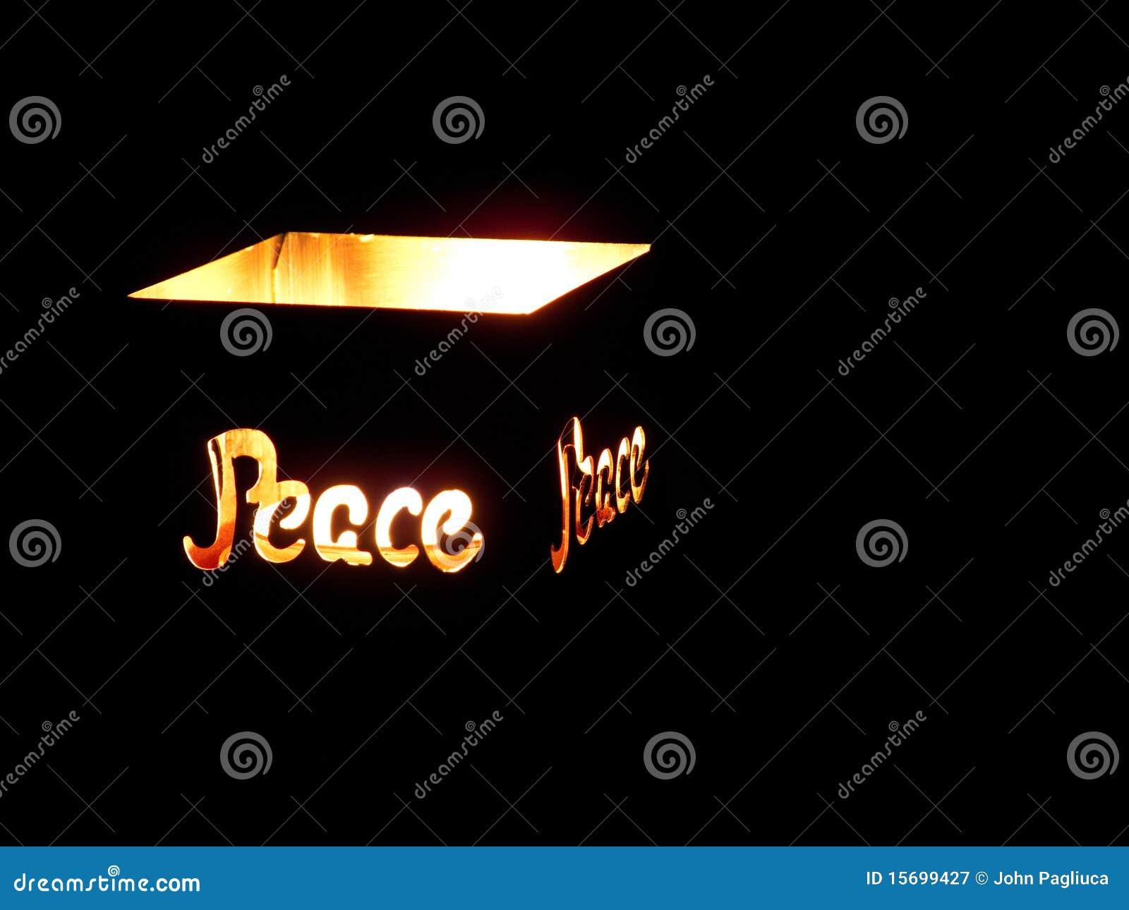 蜡烛保险开关持有人阐明了和平