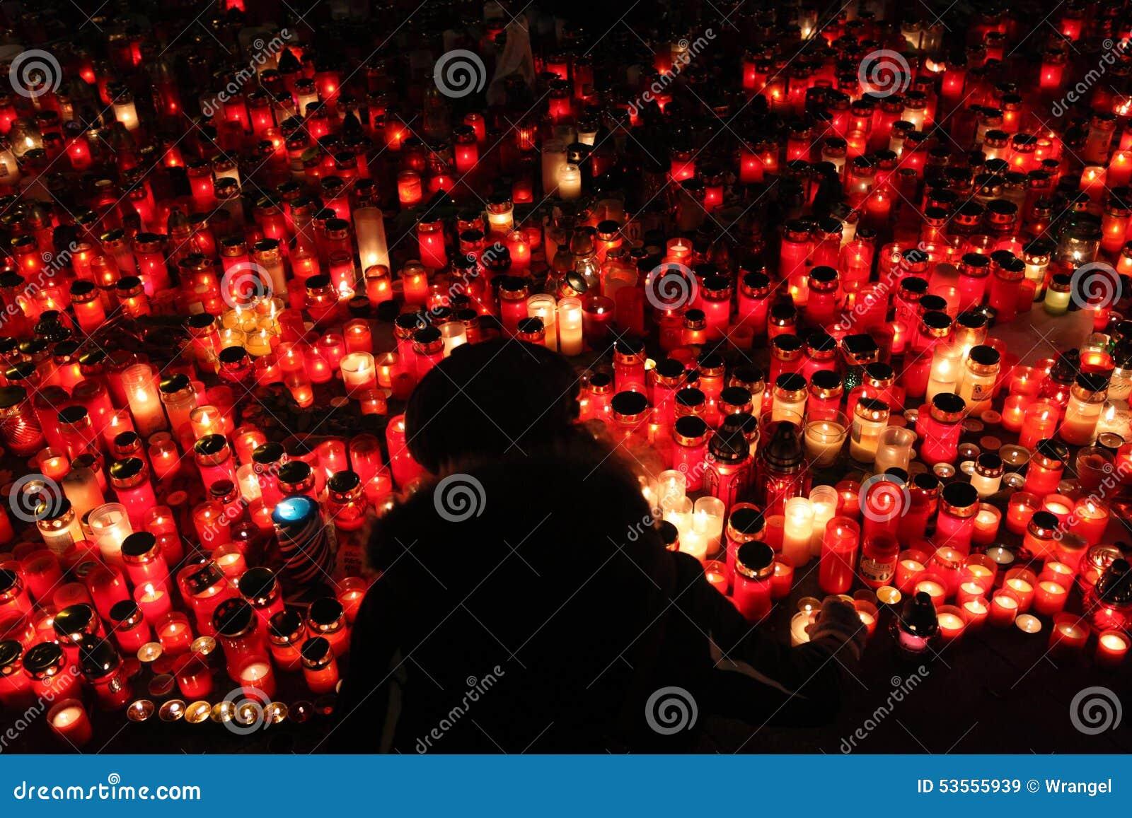 蜡烛在memoriam已故的捷克总统瓦茨拉夫Havel下来