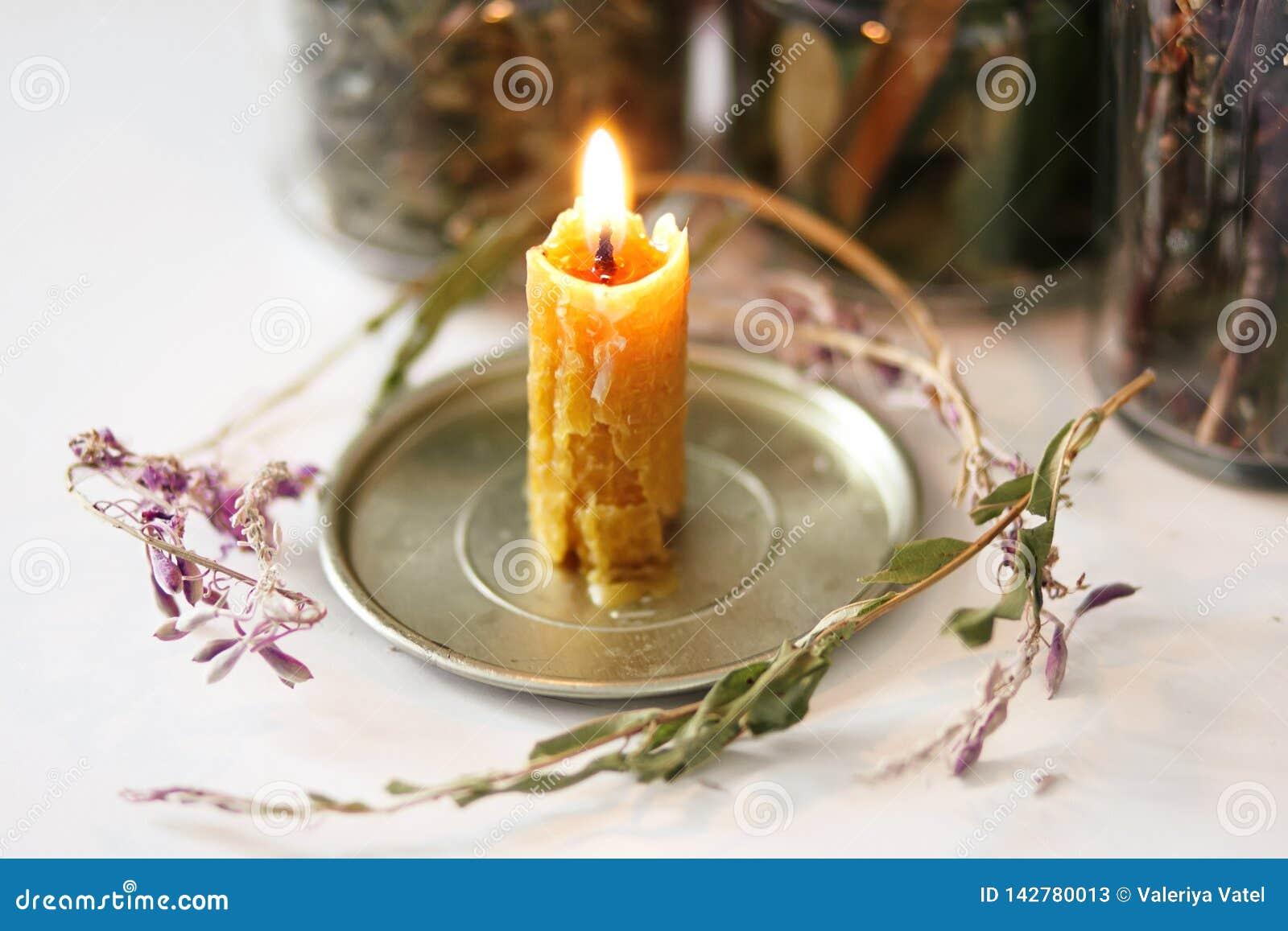 蜡烛蜡,用手做,用不可思议的草本