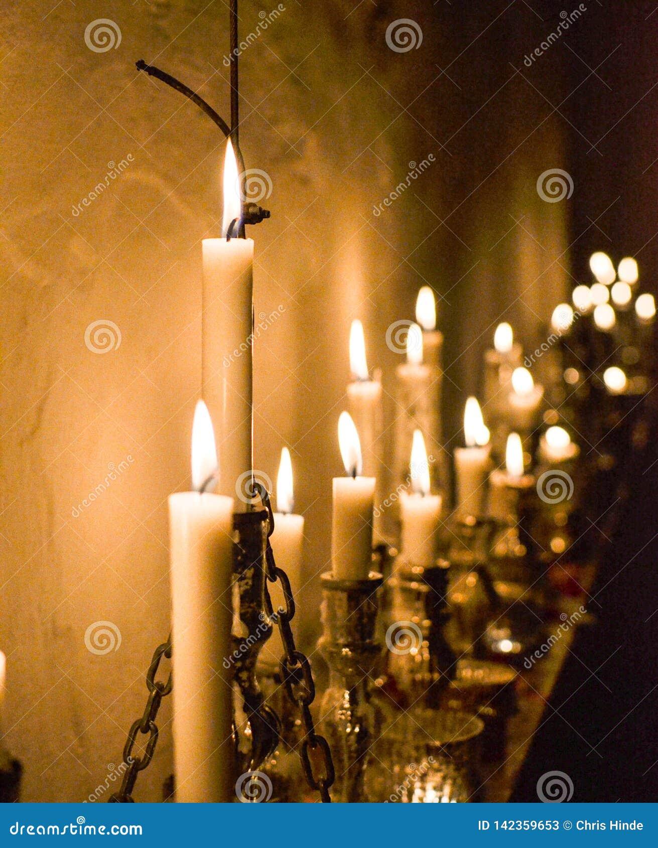 蜡烛被点燃的看法